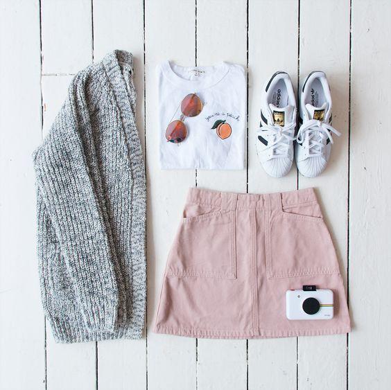 light sweater + tshirt+ tennis shoes