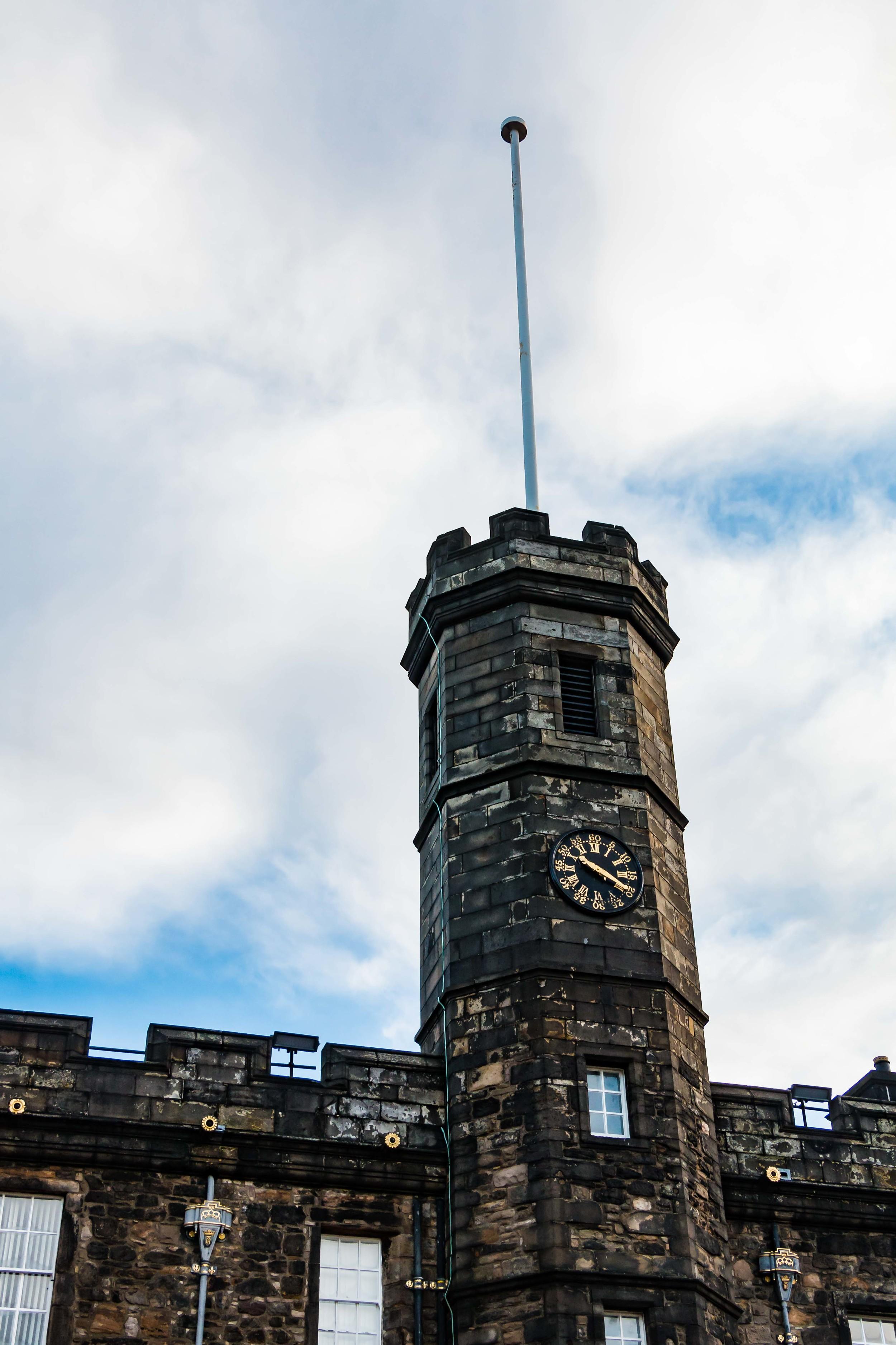 SOA_Edinburgh-Scotland-castle.jpg