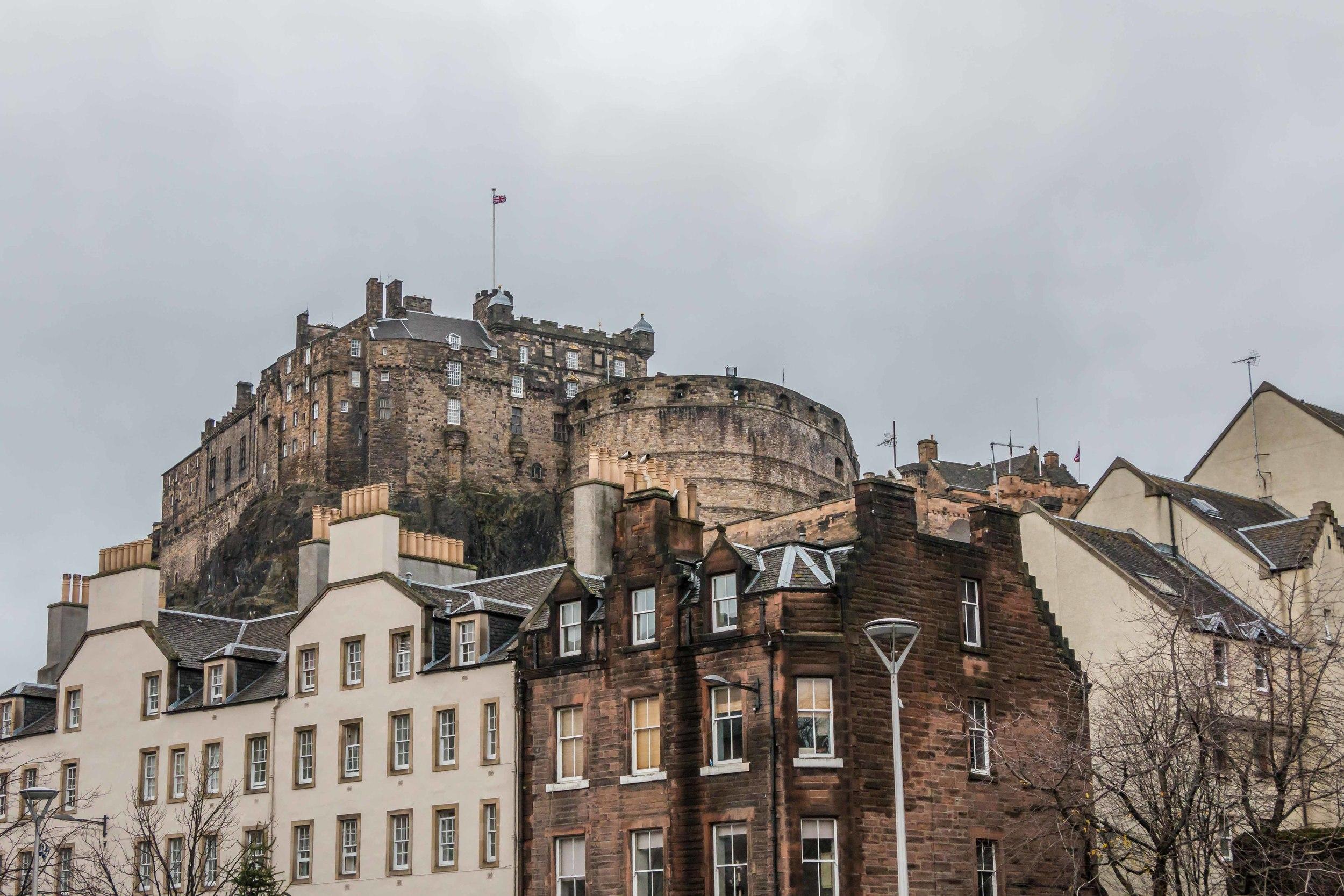 SOA_Edinburgh-Scotland-grassmarket-castle.jpg
