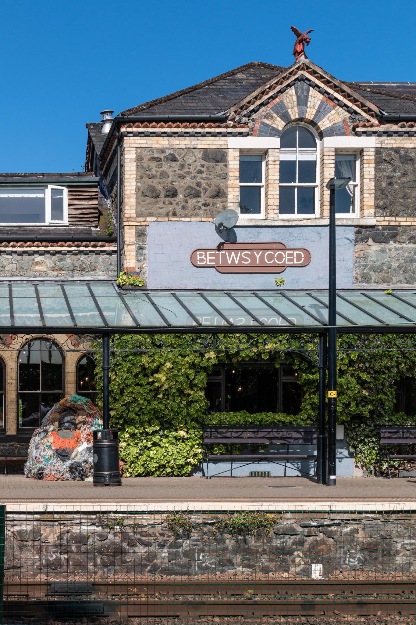 Betws-y-Coed | Snowdonia, Wales | Ciao Fabello