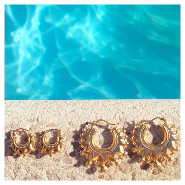 Trying to keep summer going despite the 🌧 with our new collection of earrings inspired by a trip to Jamaica earlier this year, available to ✨  S H O P  N O W ✨  #goldearrings #jewellery #gold  #shopnow #creole #summerfeeling #poolside #poolstyle #beachstyle #beachlife #summerstyle