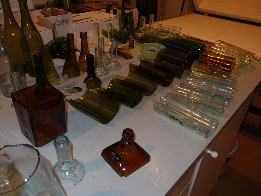 Preparing bottles for processing