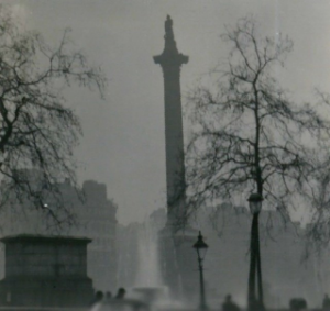 Nelson's column viewed through the Great Smog of 1952, By N T Stobbs (CC BY-SA 2.0)