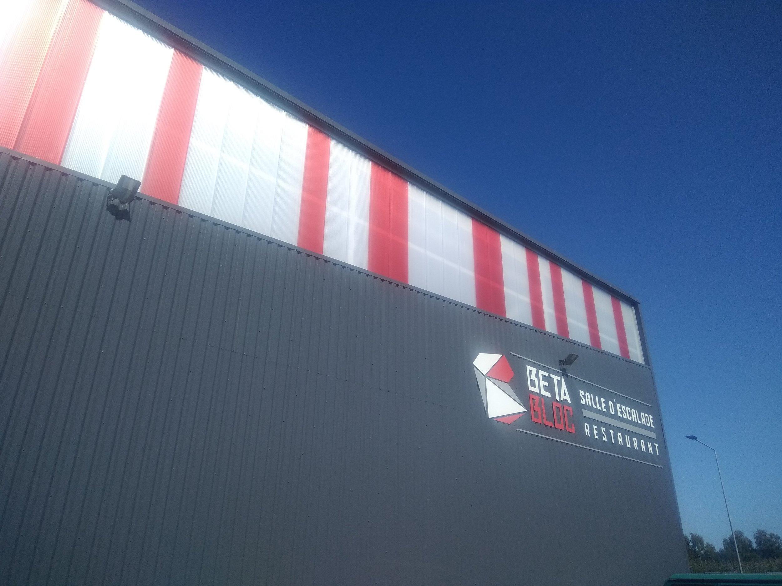 Nouvelle salle d'escalade sur PAU