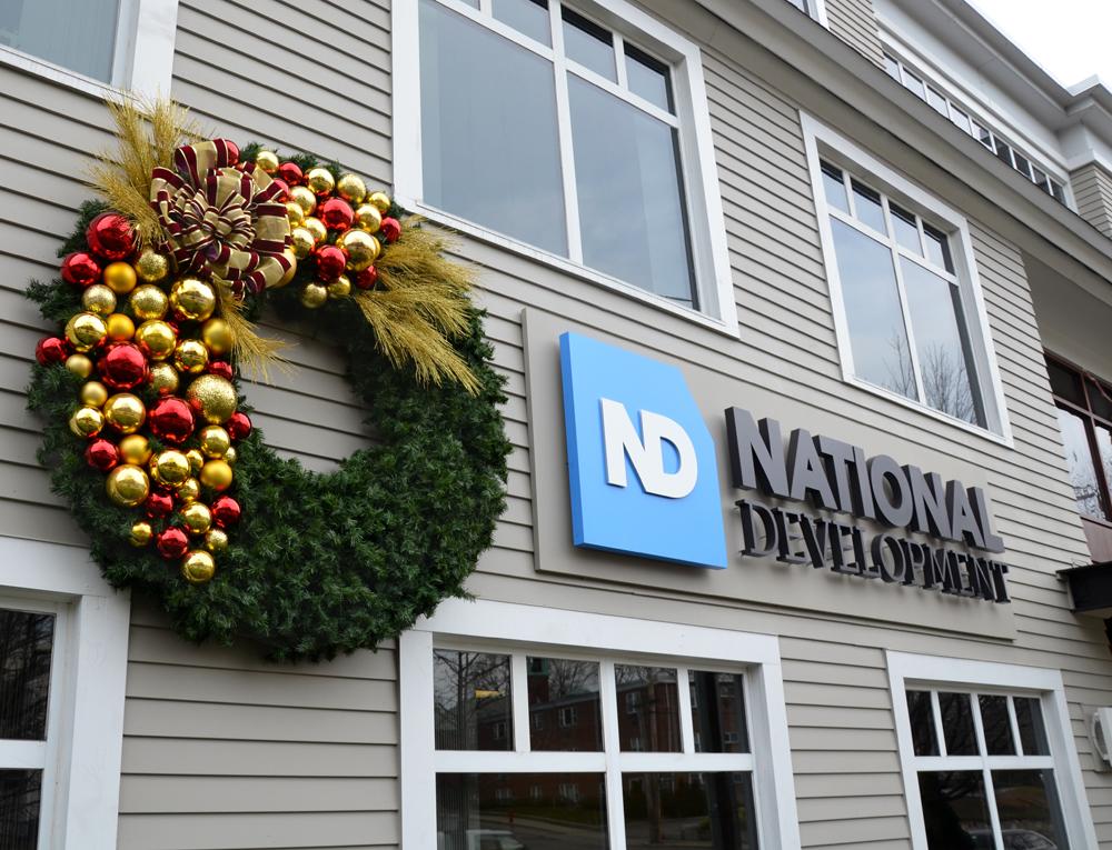 Harding Botanicals. Holiday Design. Wreath