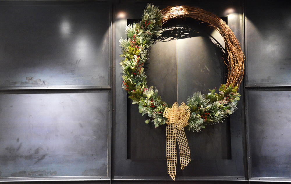 Holiday 2016_Grapevine Wreath.jpg