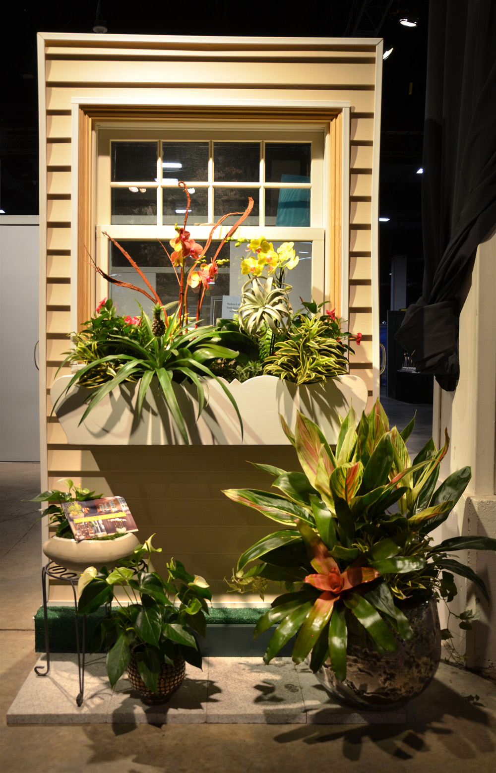 Our take on a window box, it's very tropical: what do you think?!