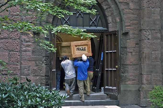 05-10-10 organ delivery3.jpg