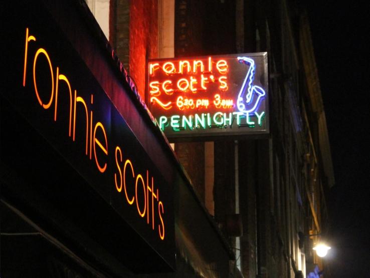 0431ronnie_scotts_jazz_club_soho_london.jpg