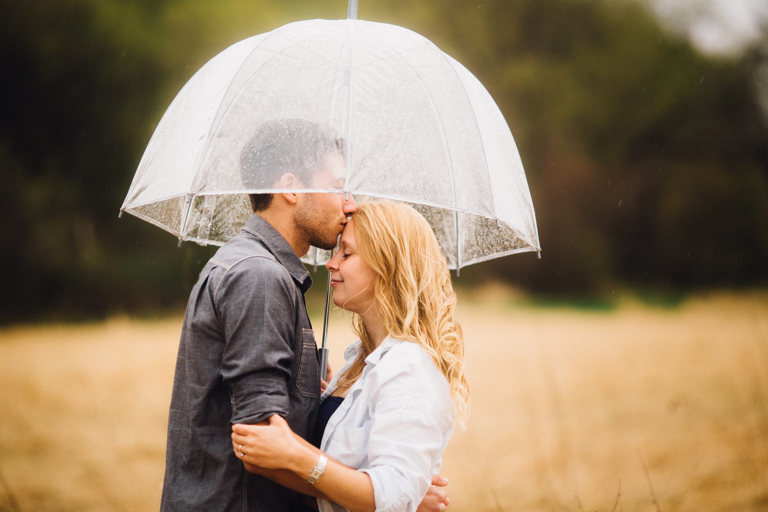 Minneapolis-engagement-umbrella-rain