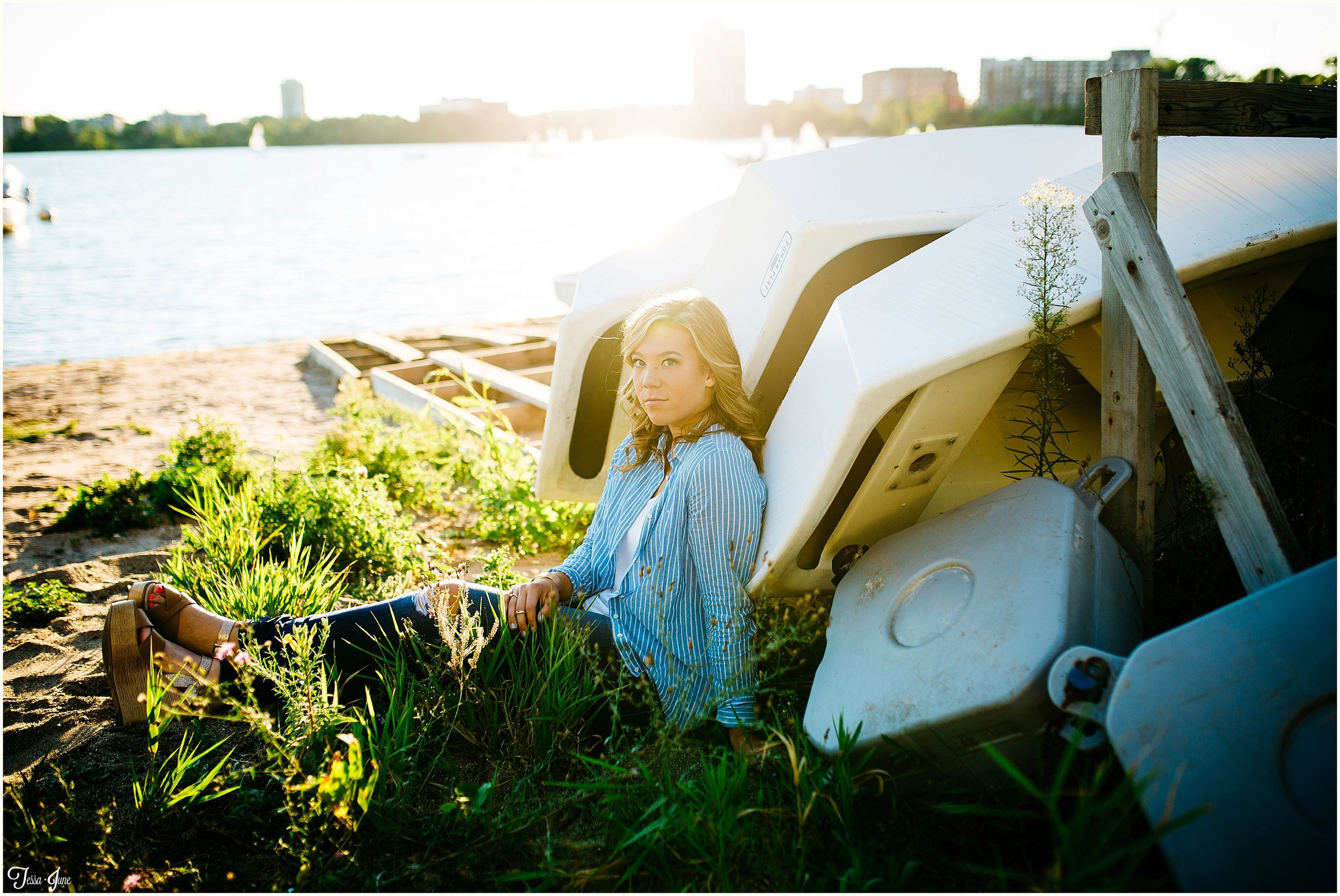 st-cloud-photographer-lake-calhoun-senior-lakeside