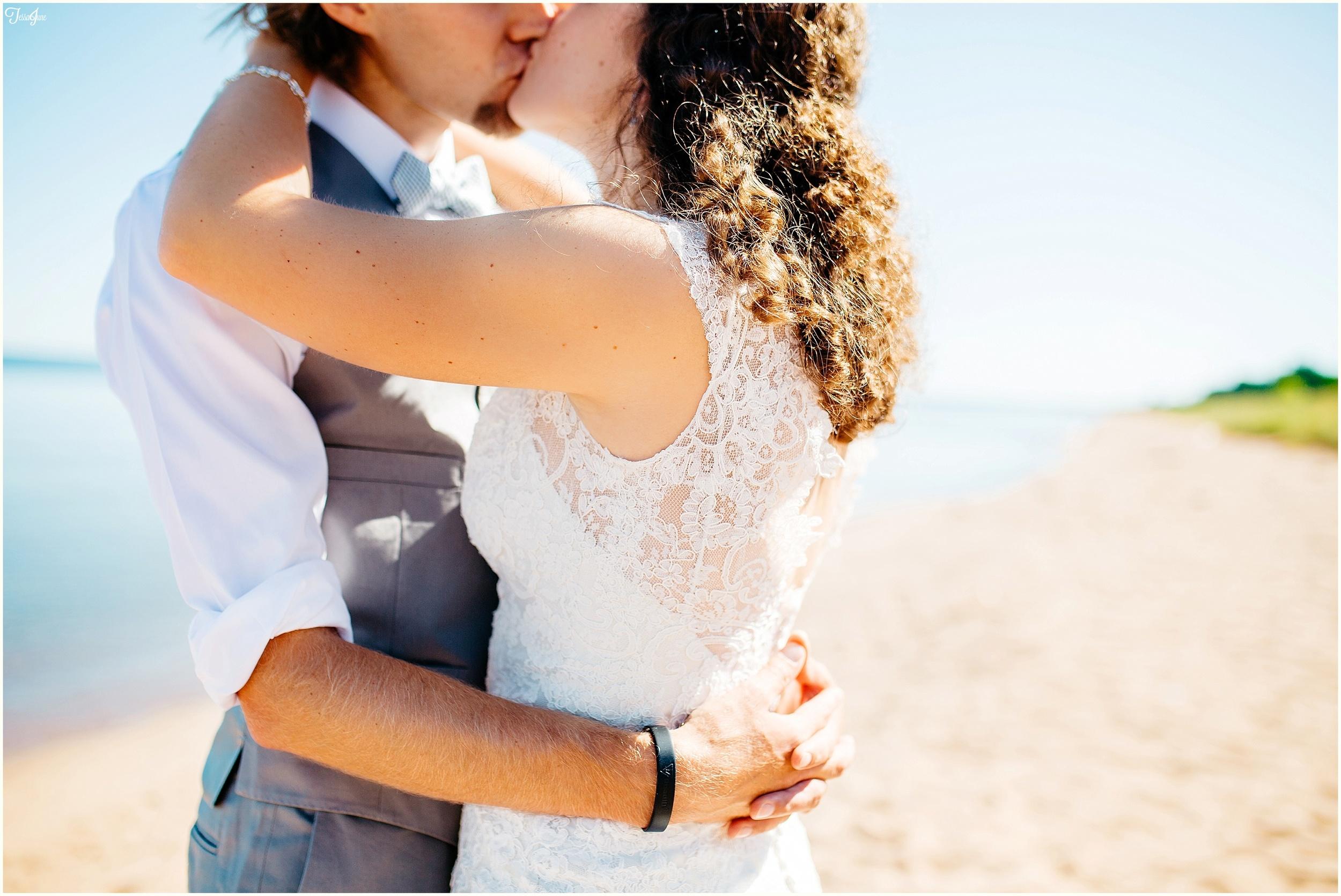 North-shore-beach-wedding-duluth-minnesota-st-cloud-photographer