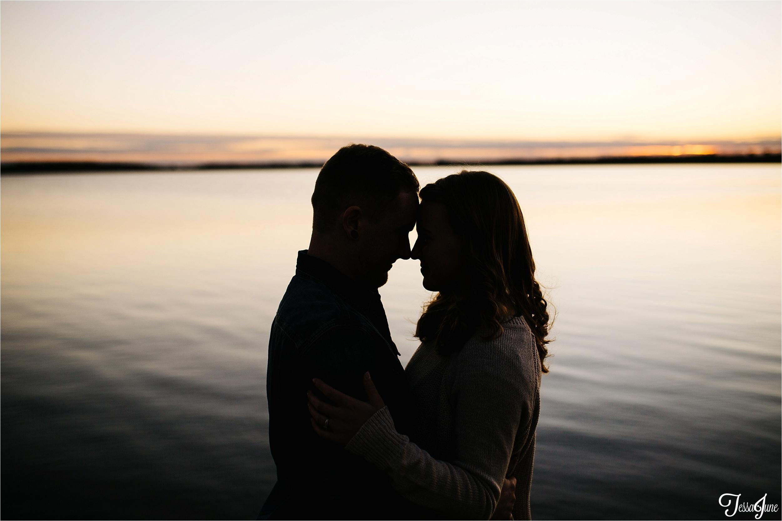 st-cloud-minnesota-photographer-engaged-wedding-lake-coffee-urban-vsco