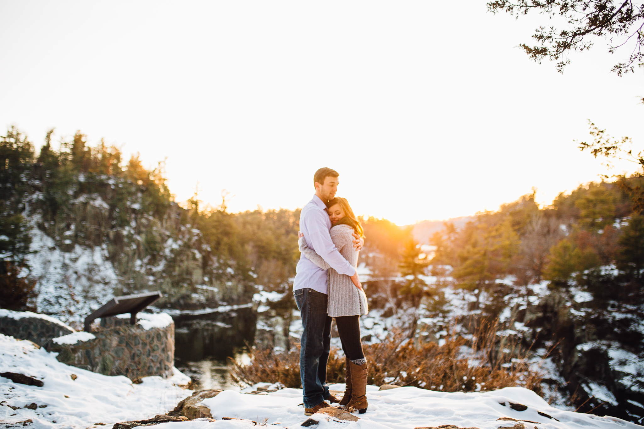 st-cloud-minnesota-winter-engagement-taylors-falls-interstate-state-park-wedding-photographer-2693.jpg