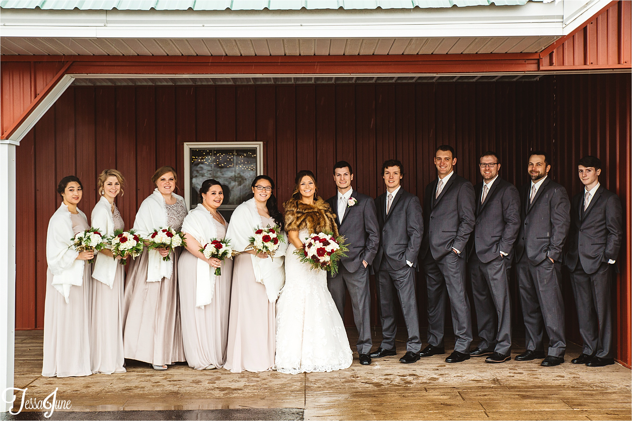 st-cloud-minnesota-wedding-photographer-the-outpost-center-chaska-snow-winter-romantic-bridal-party-barn