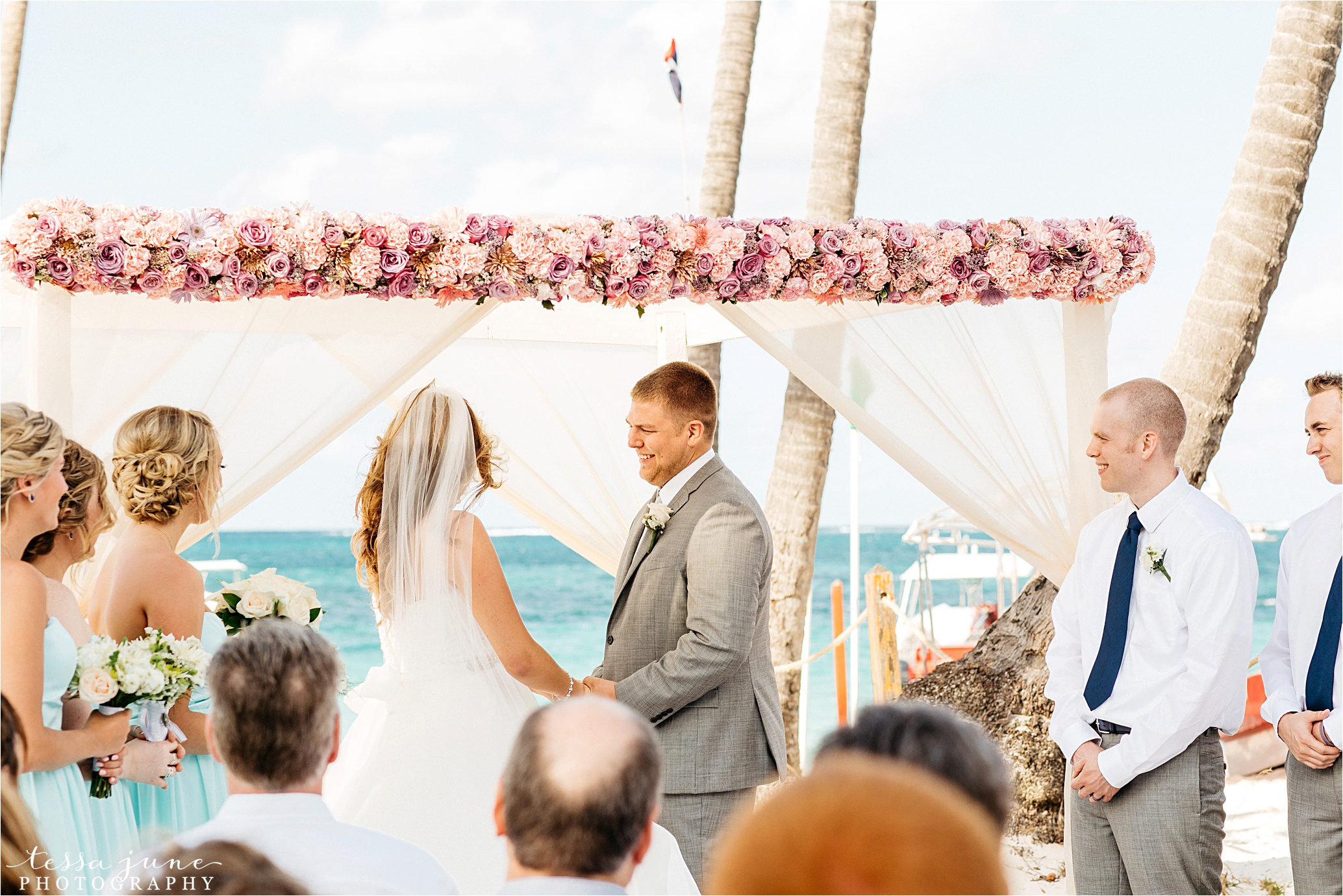 punta-cana-dreams-palm-beach-resort-destination-wedding-dominican-republic-ceremony