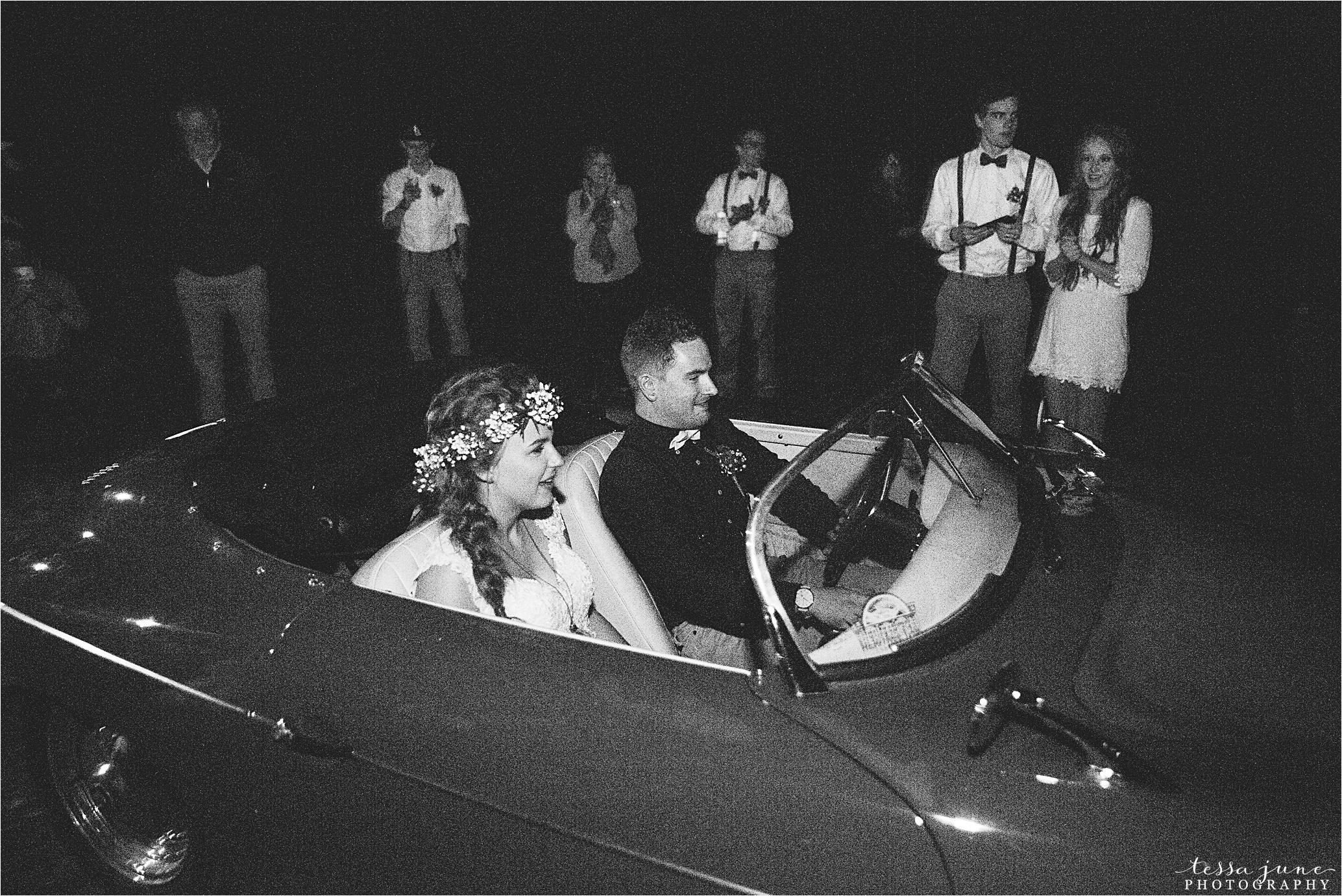 bohemian-forest-wedding-stillwater-minnesota-flower-crown-st-cloud-photographer-lighting-lantern-sendoff