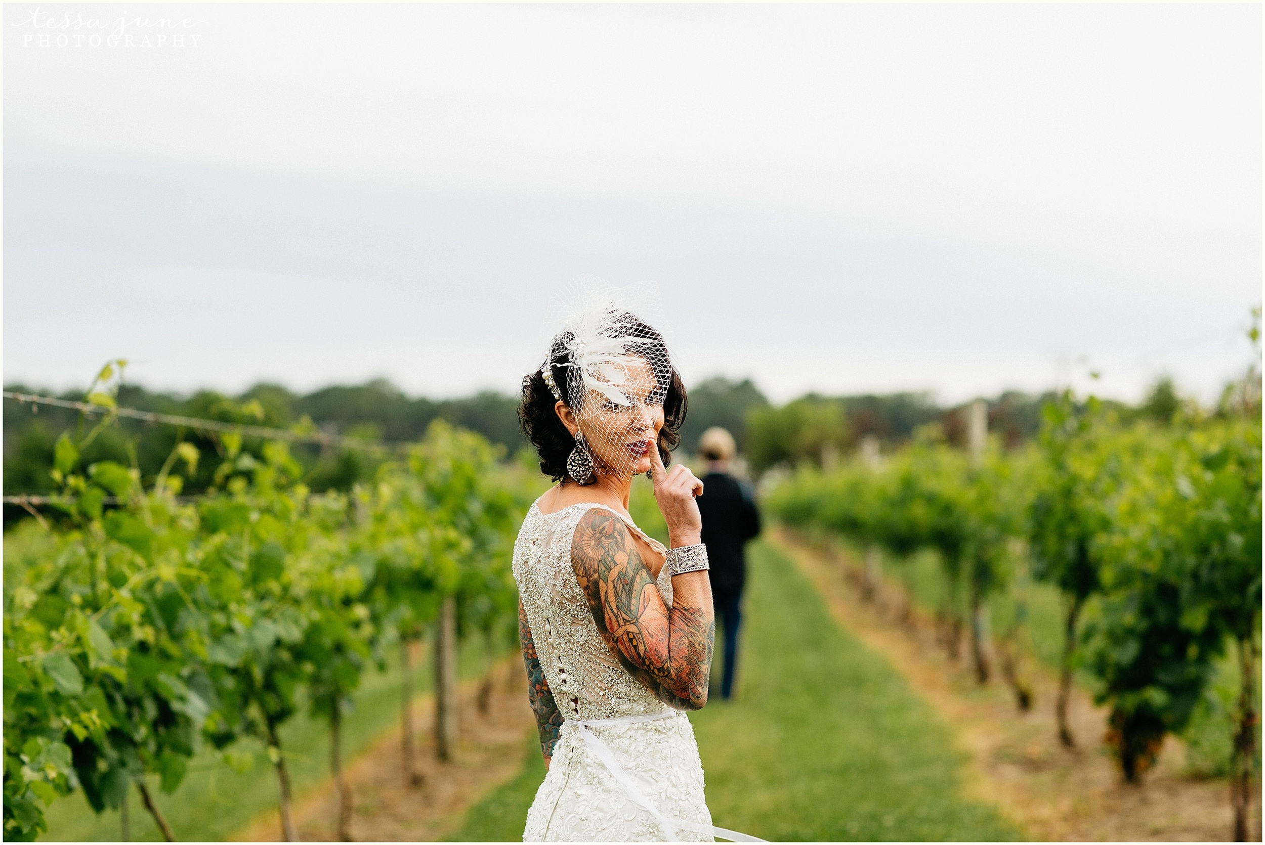carlos-creak-winery-alexandira-minnesota-wedding-st-cloud-photographer-first-look