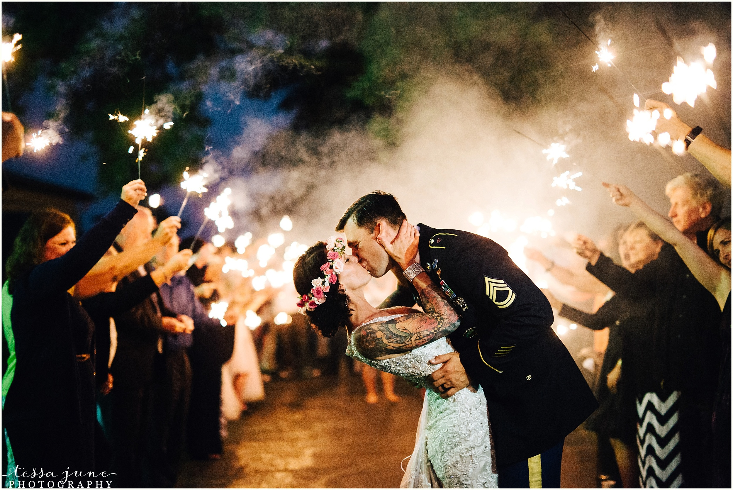 carlso-creek-winery-alexandria-sparkler-exit-wedding-minnesota