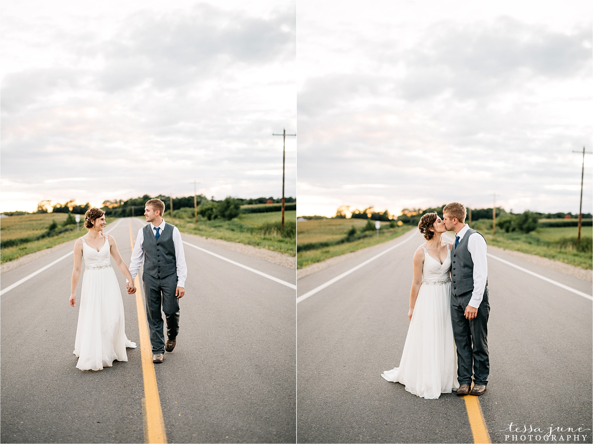 cadillac-ranch-wedding-maple-lake-st-cloud-wedding-photographer_0099.jpg