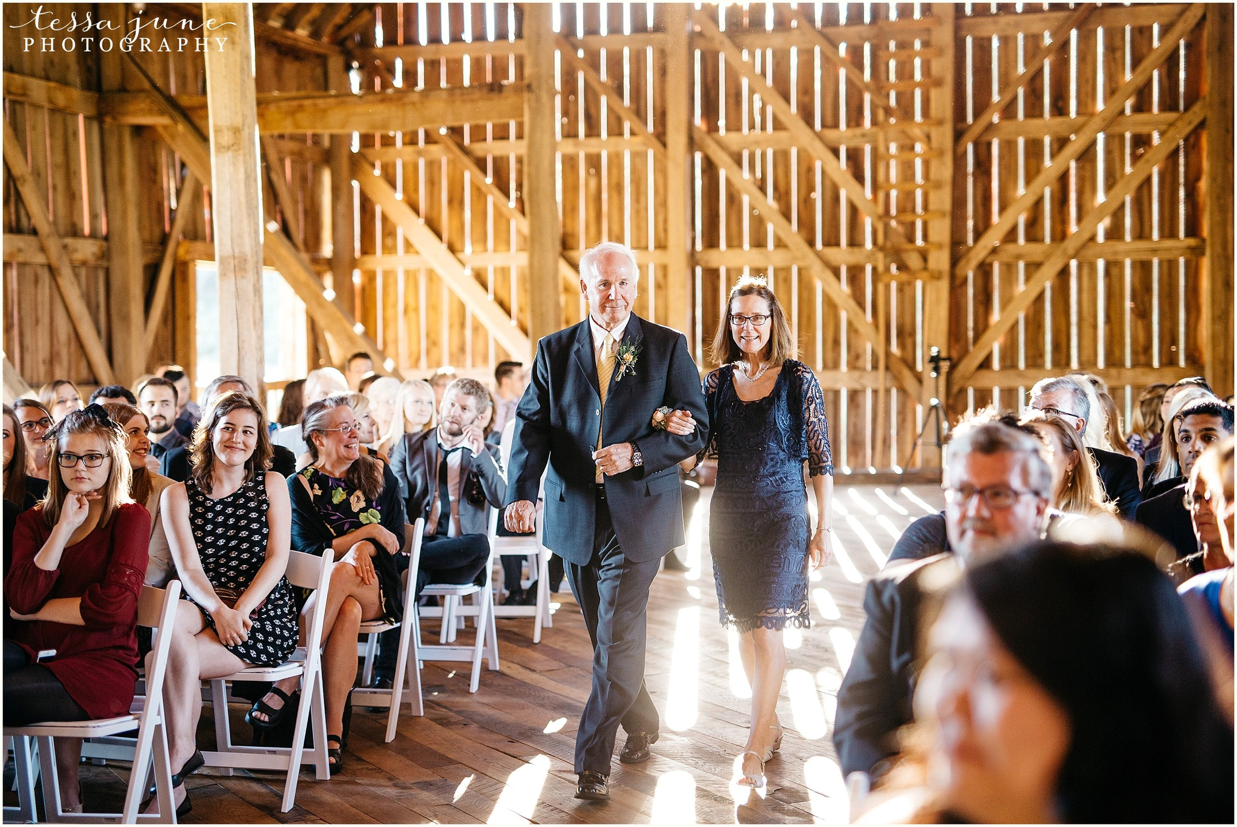 birch-hill-barn-glenwood-city-wisconsin-st-cloud-wedding-photographer-4426.jpg