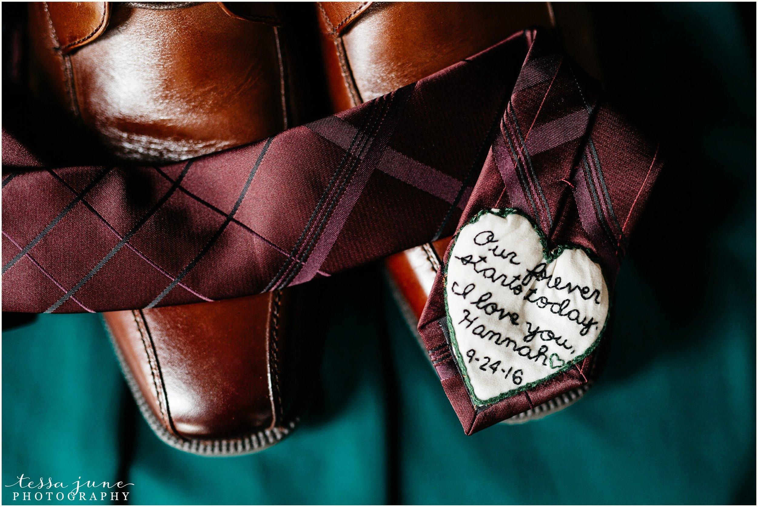 bohemian-minnesota-wedding-mismatched-bridesmaid-dresses-waterfall-st-cloud-tessa-june-photography-2.jpg