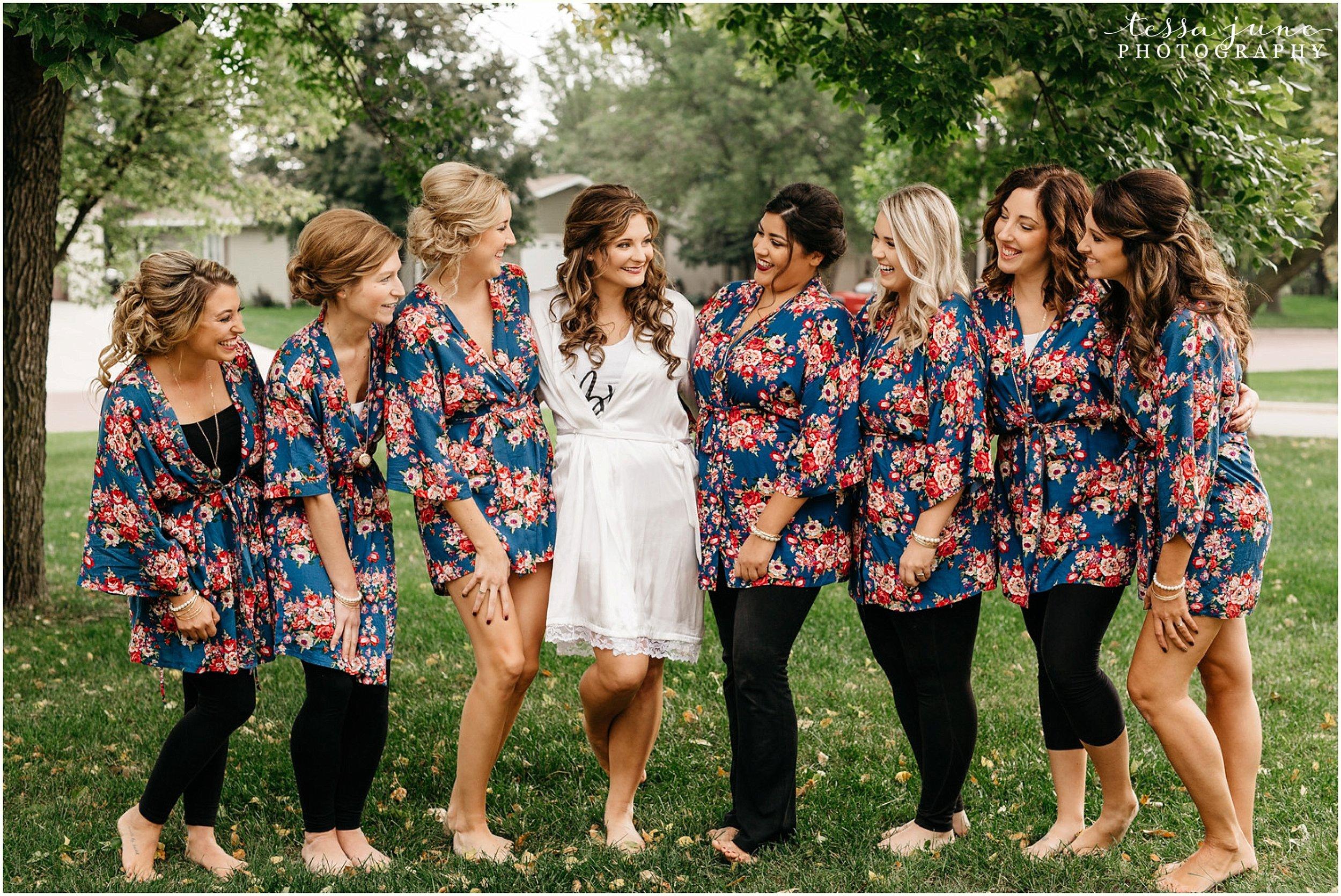 bohemian-minnesota-wedding-mismatched-bridesmaid-dresses-waterfall-st-cloud-tessa-june-photography-20.jpg