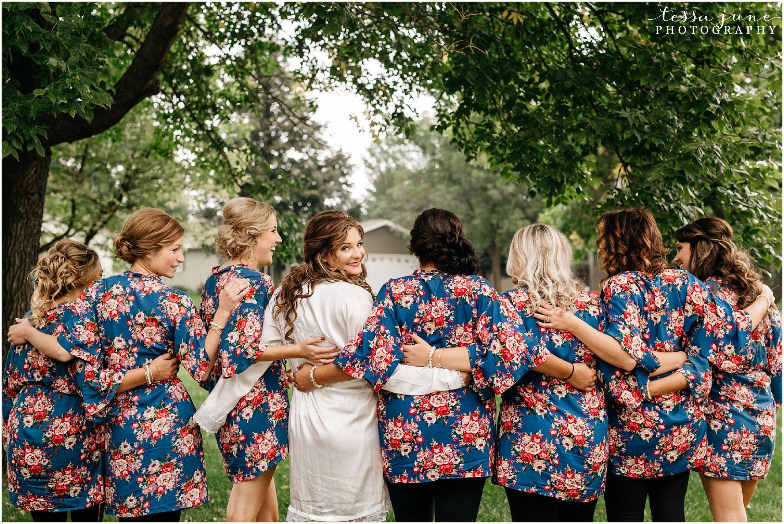 bohemian-minnesota-wedding-mismatched-bridesmaid-dresses-waterfall-st-cloud-tessa-june-photography-21.jpg