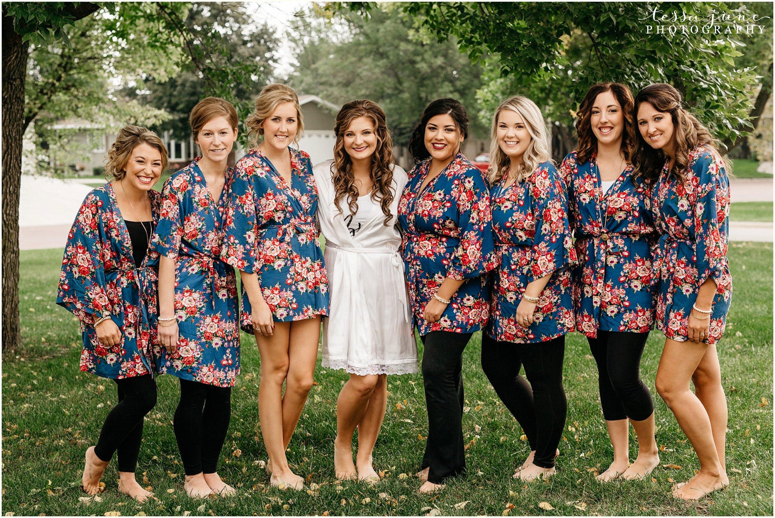bohemian-minnesota-wedding-mismatched-bridesmaid-dresses-waterfall-st-cloud-tessa-june-photography-19.jpg