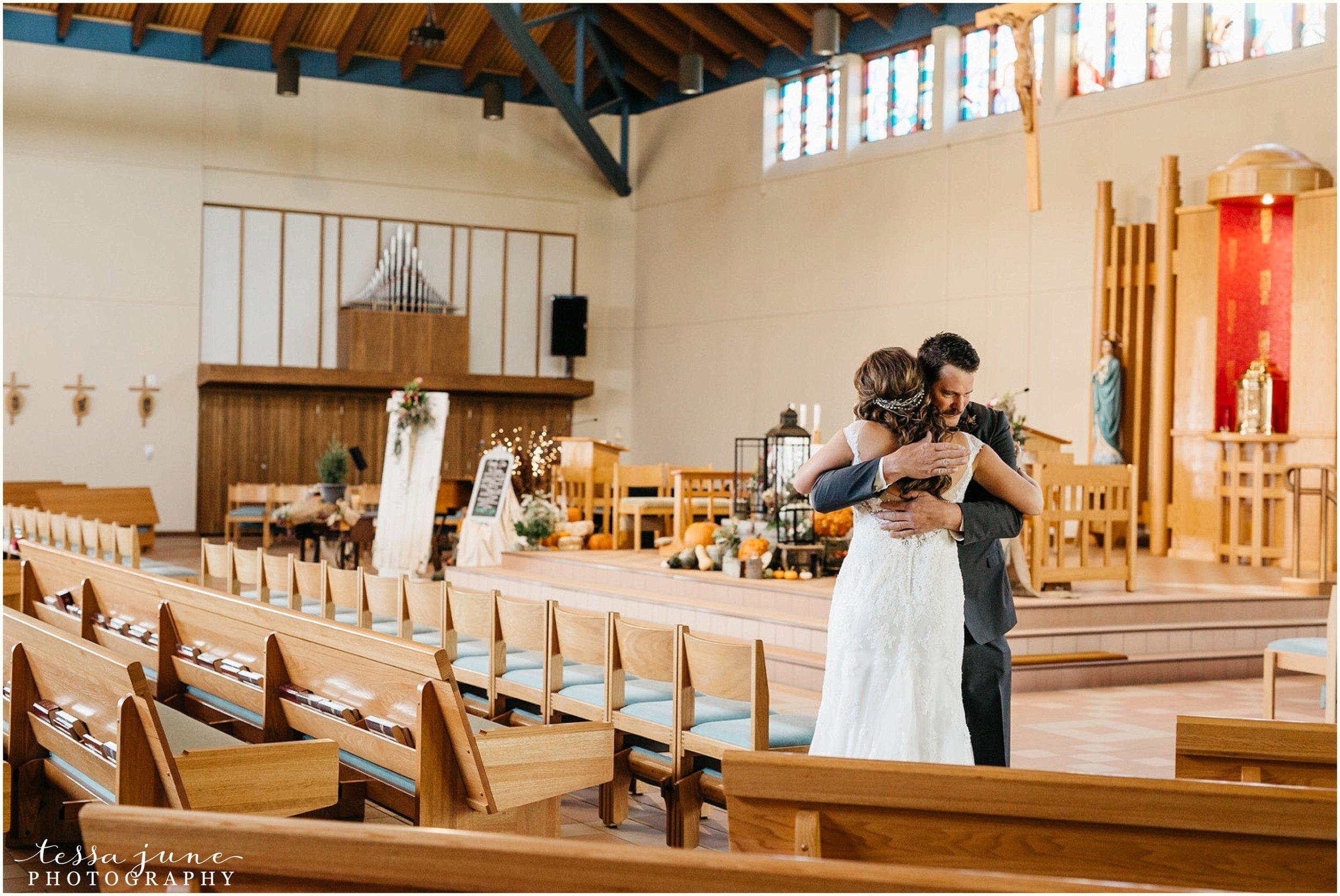 bohemian-minnesota-wedding-mismatched-bridesmaid-dresses-waterfall-st-cloud-tessa-june-photography-34.jpg