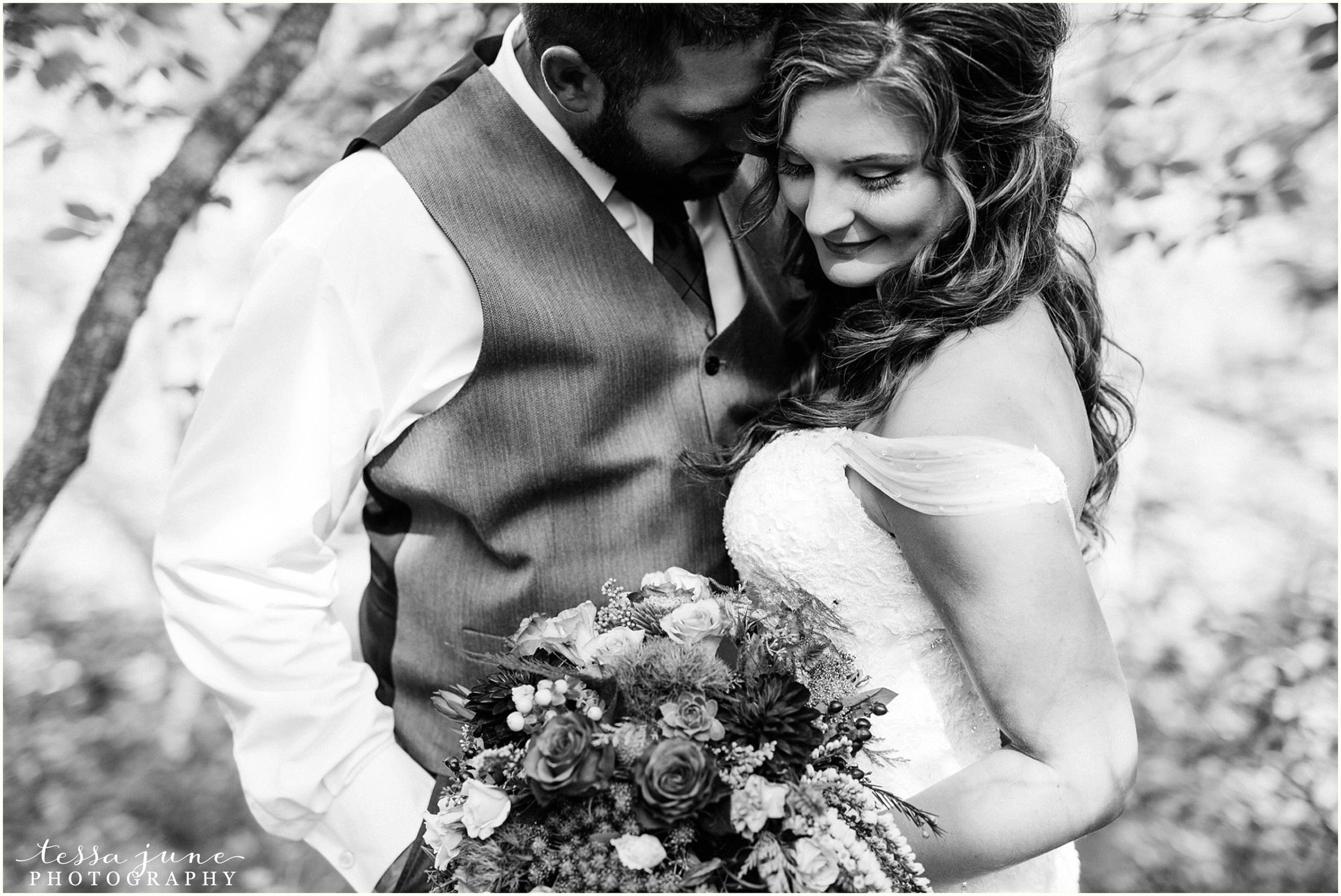 bohemian-minnesota-wedding-mismatched-bridesmaid-dresses-waterfall-st-cloud-tessa-june-photography-50.jpg