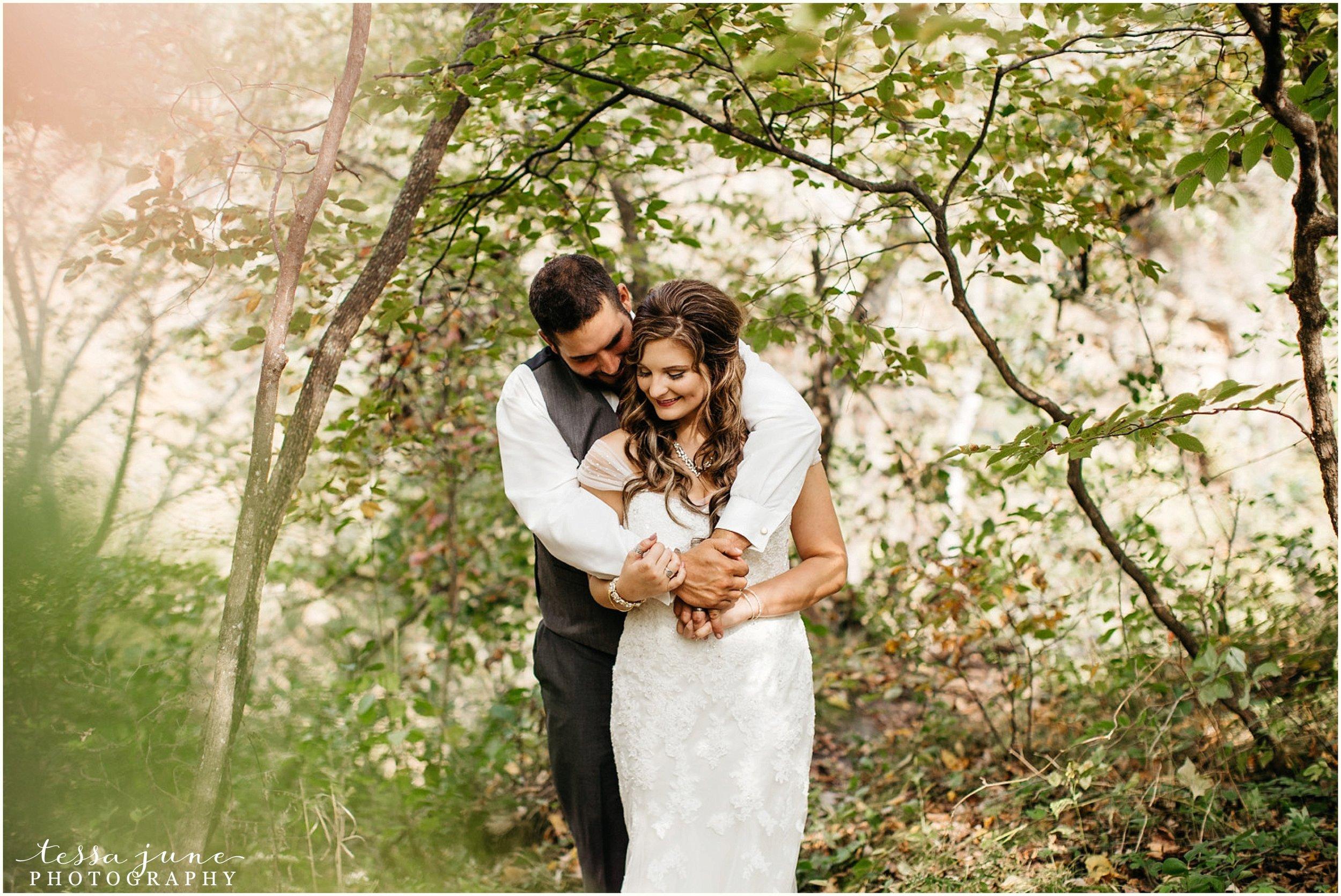 bohemian-minnesota-wedding-mismatched-bridesmaid-dresses-waterfall-st-cloud-tessa-june-photography-49.jpg