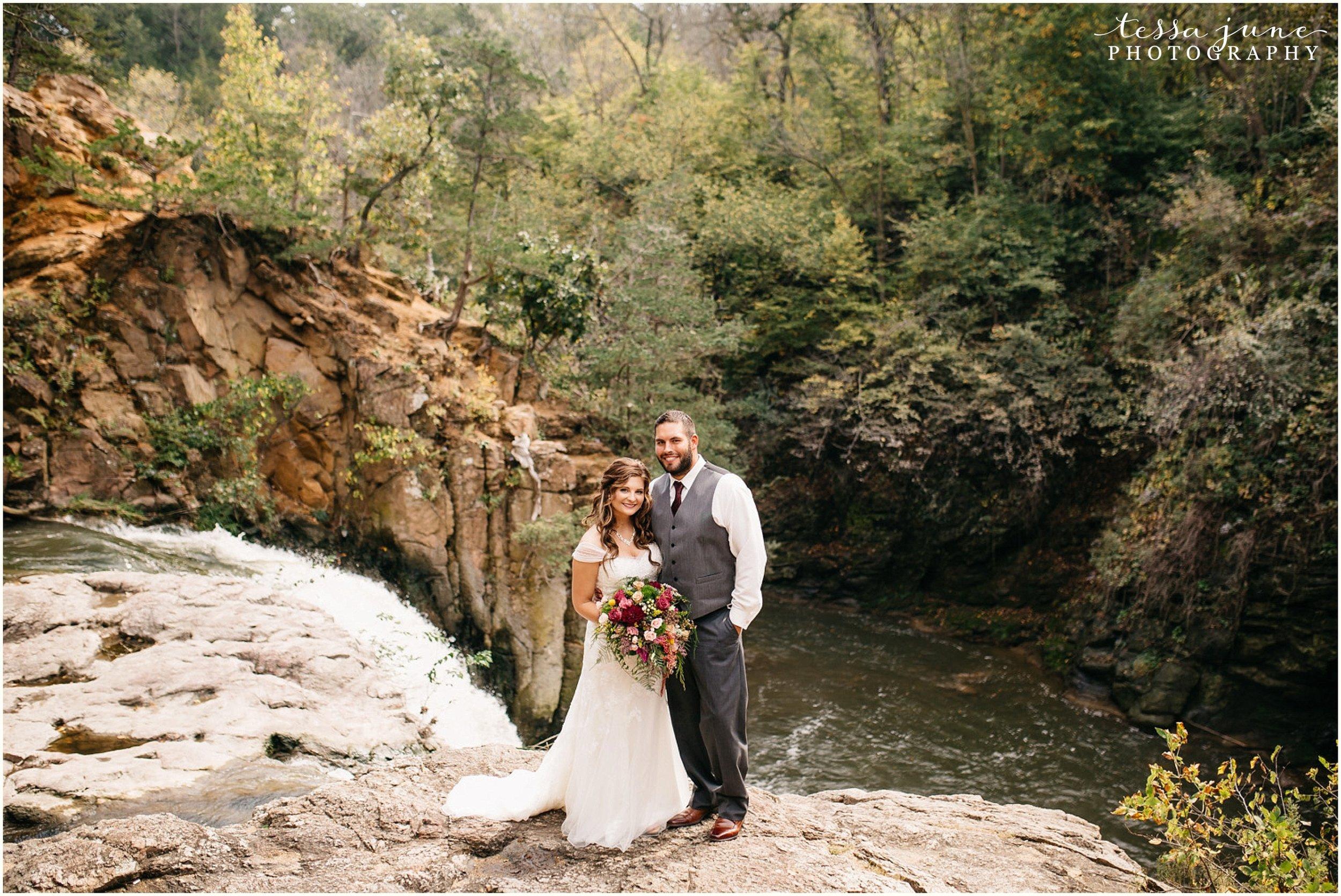 bohemian-minnesota-wedding-mismatched-bridesmaid-dresses-waterfall-st-cloud-tessa-june-photography-61.jpg