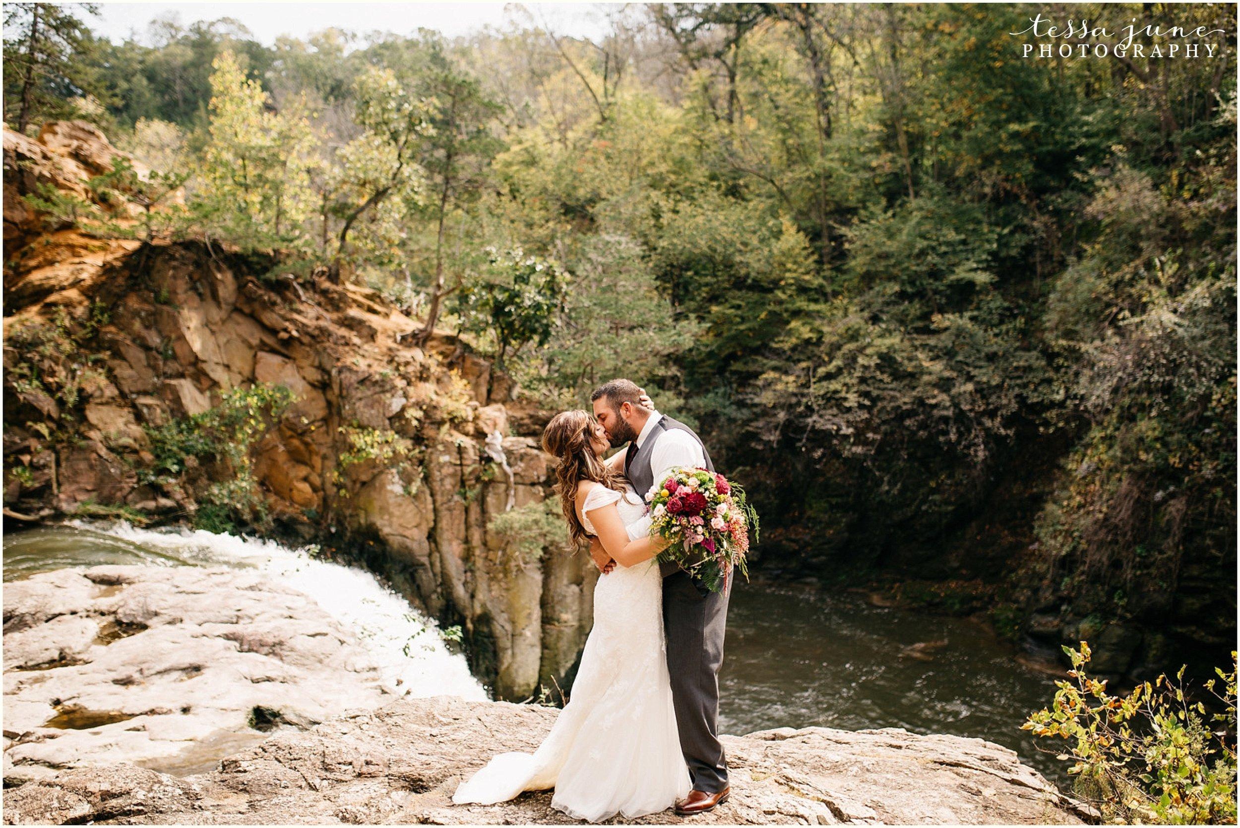 bohemian-minnesota-wedding-mismatched-bridesmaid-dresses-waterfall-st-cloud-tessa-june-photography-62.jpg