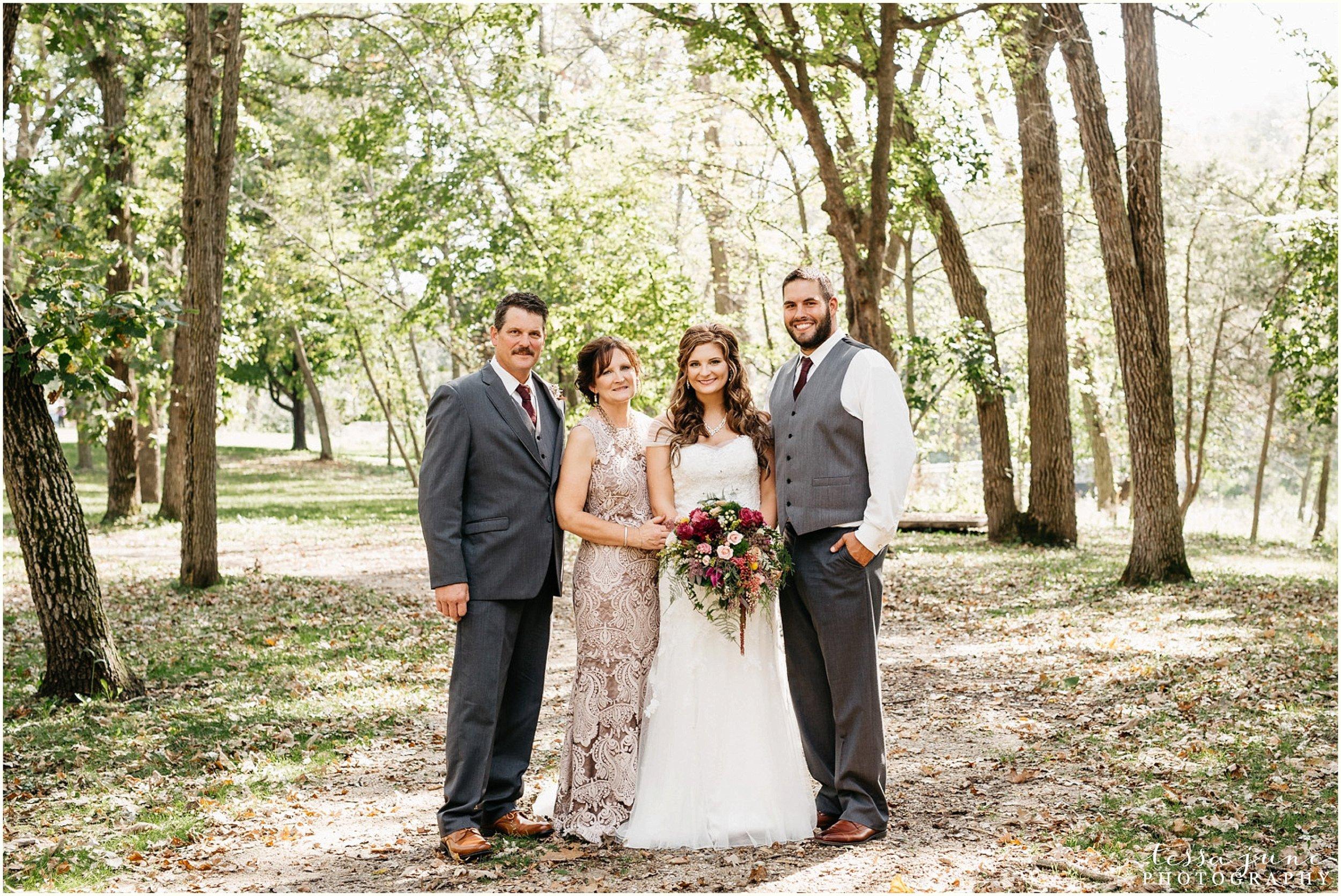 bohemian-minnesota-wedding-mismatched-bridesmaid-dresses-waterfall-st-cloud-tessa-june-photography-91.jpg