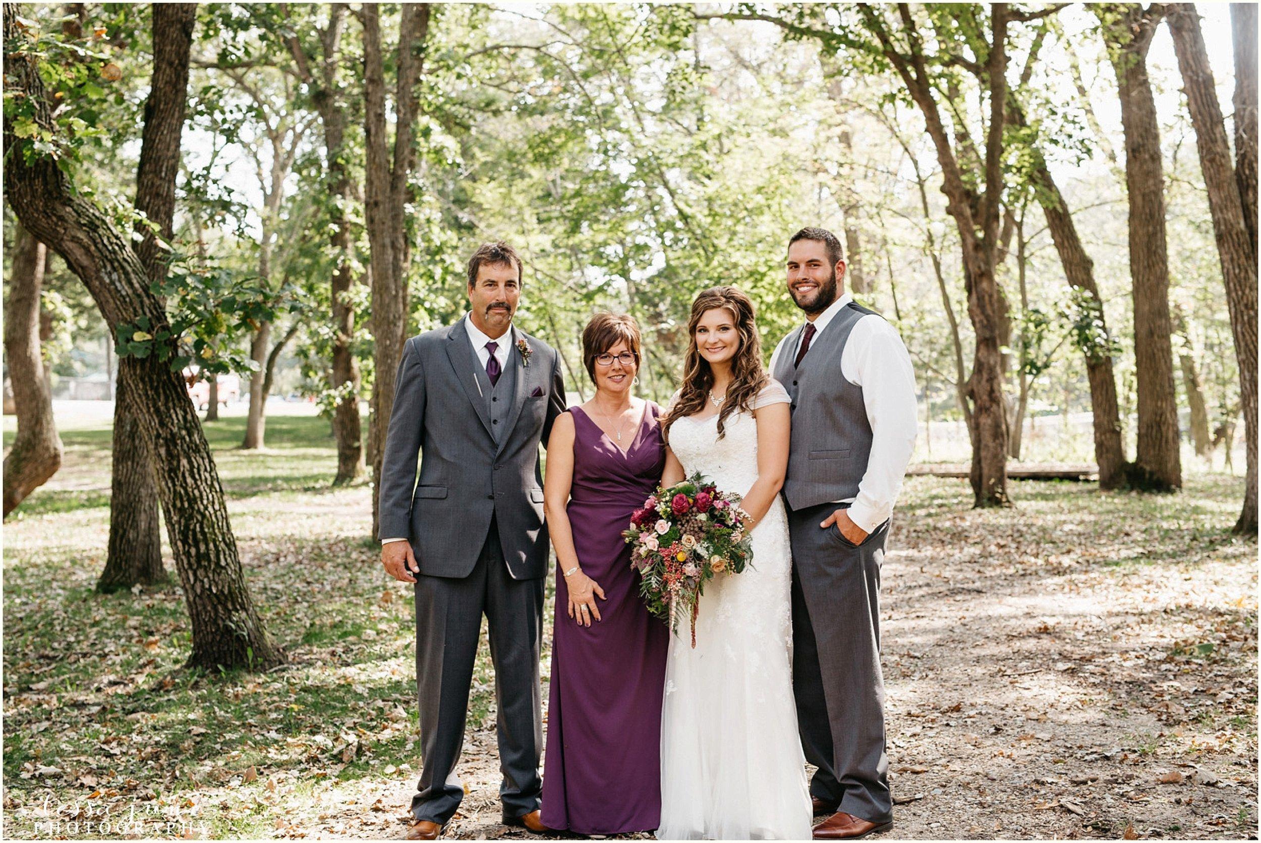 bohemian-minnesota-wedding-mismatched-bridesmaid-dresses-waterfall-st-cloud-tessa-june-photography-94.jpg