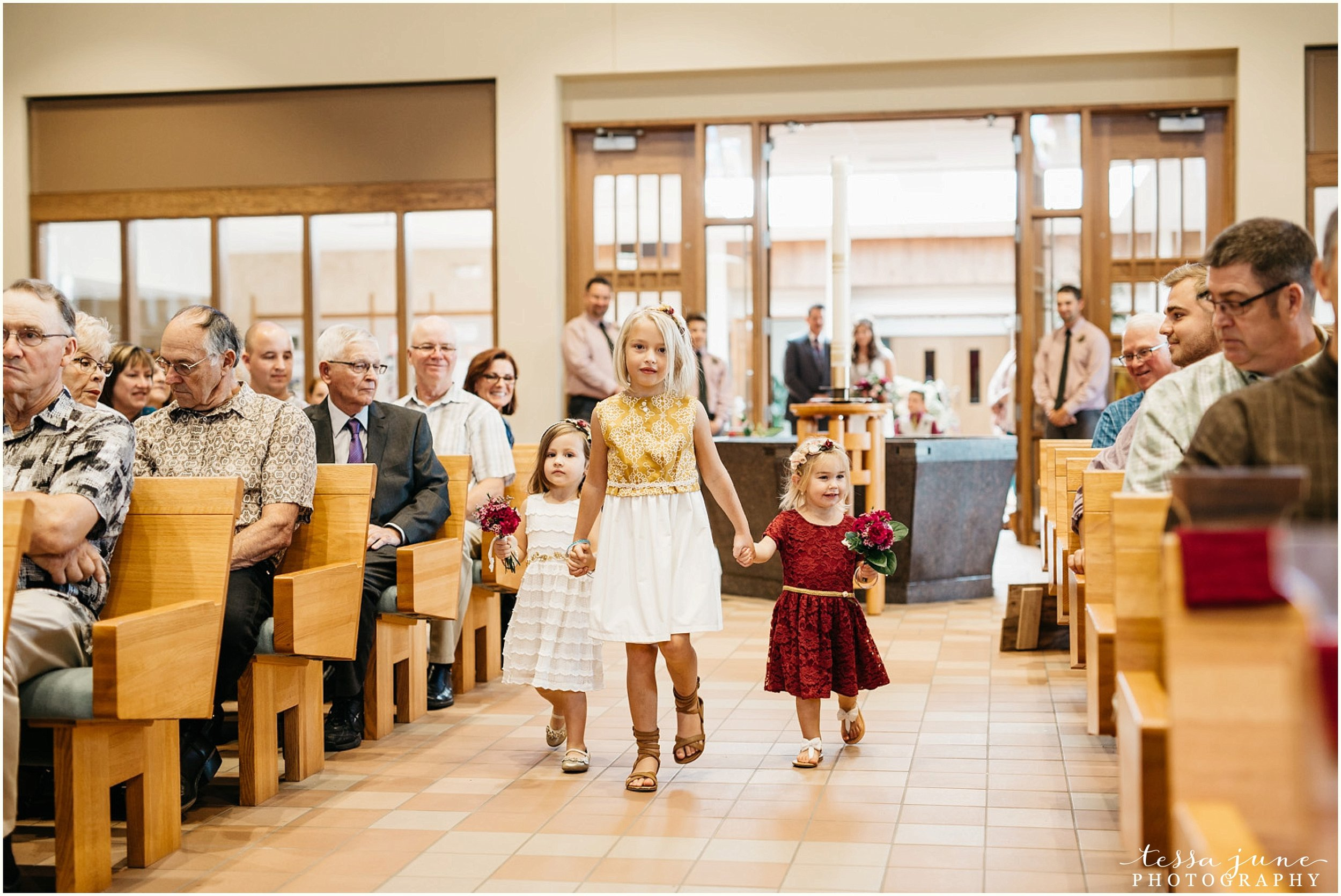 bohemian-minnesota-wedding-mismatched-bridesmaid-dresses-waterfall-st-cloud-tessa-june-photography-100.jpg