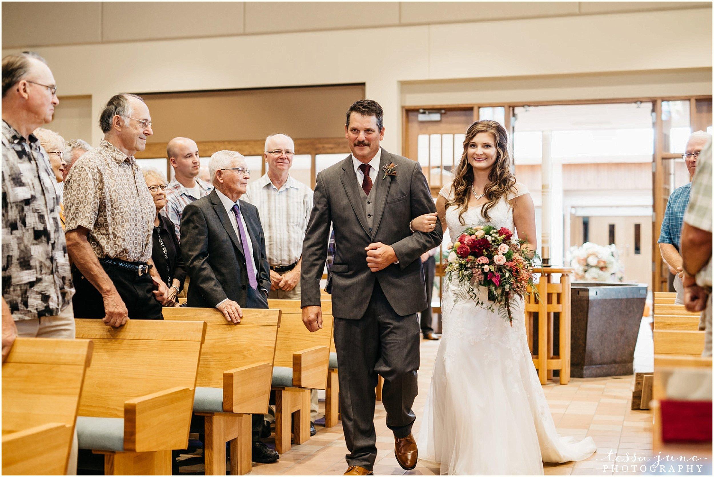 bohemian-minnesota-wedding-mismatched-bridesmaid-dresses-waterfall-st-cloud-tessa-june-photography-103.jpg