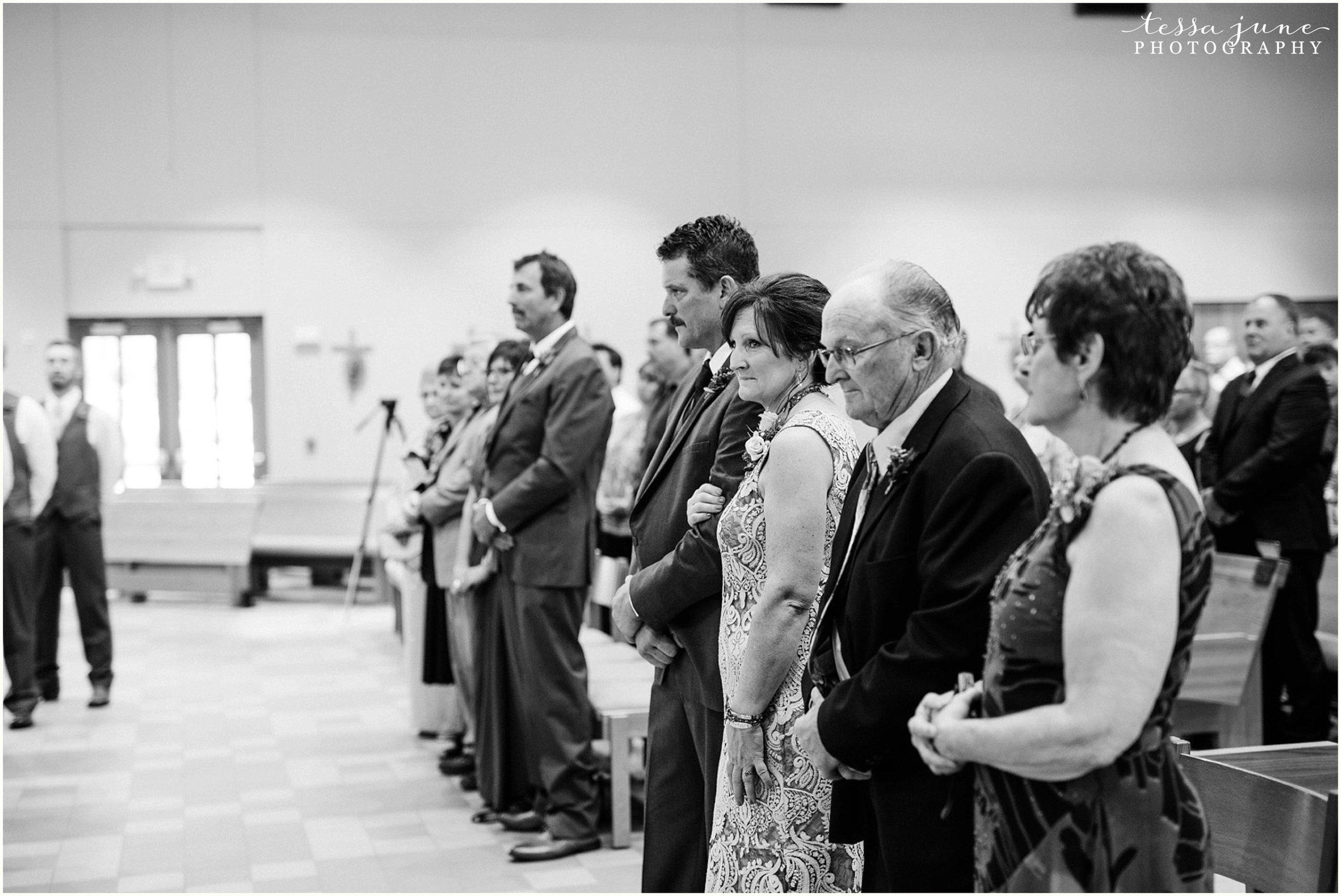 bohemian-minnesota-wedding-mismatched-bridesmaid-dresses-waterfall-st-cloud-tessa-june-photography-105.jpg