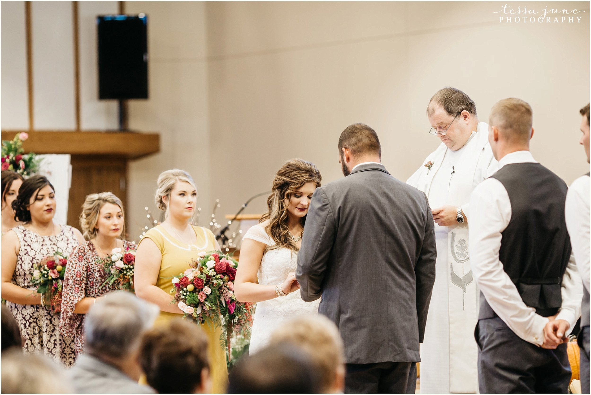 bohemian-minnesota-wedding-mismatched-bridesmaid-dresses-waterfall-st-cloud-tessa-june-photography-109.jpg