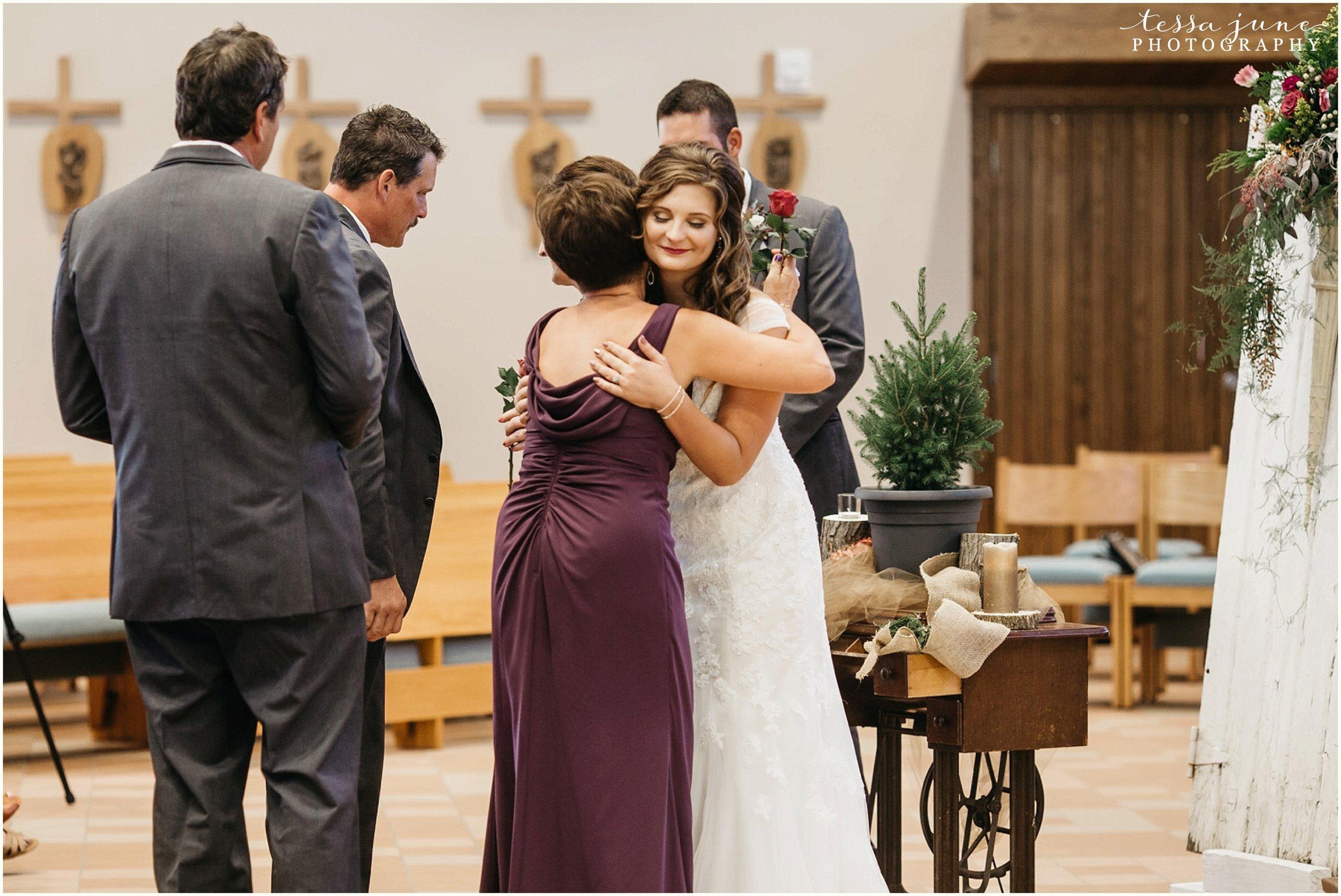 bohemian-minnesota-wedding-mismatched-bridesmaid-dresses-waterfall-st-cloud-tessa-june-photography-110.jpg