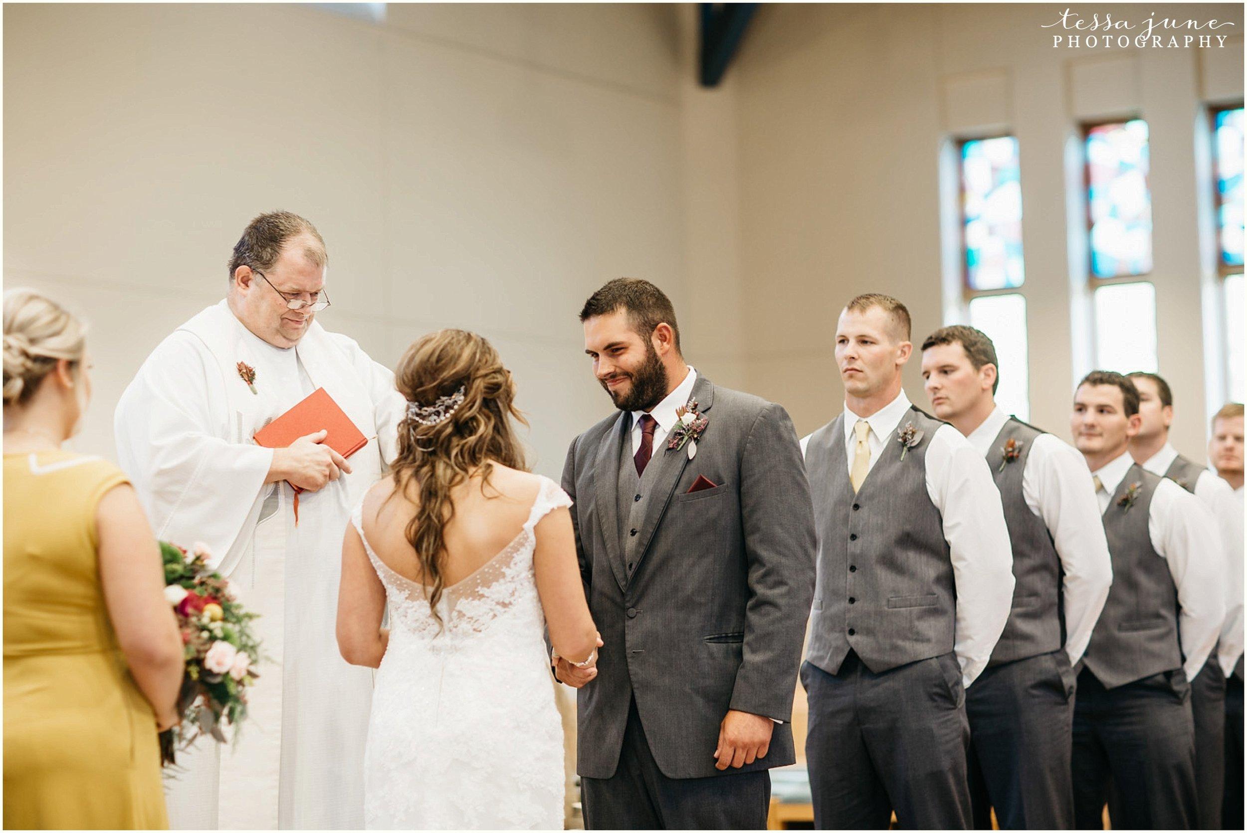 bohemian-minnesota-wedding-mismatched-bridesmaid-dresses-waterfall-st-cloud-tessa-june-photography-112.jpg