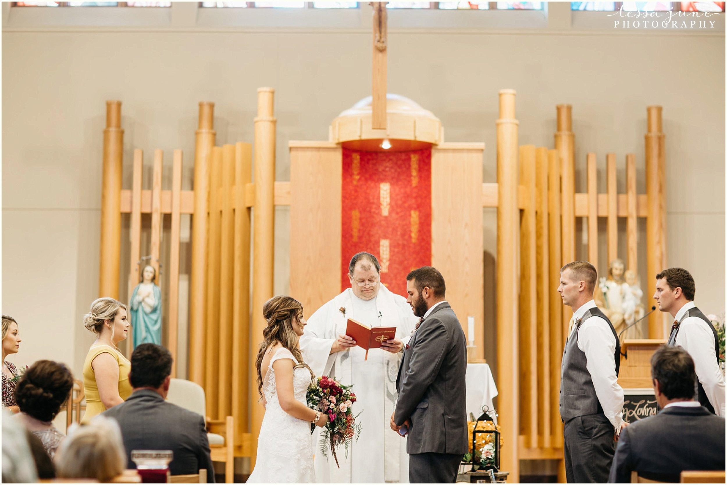 bohemian-minnesota-wedding-mismatched-bridesmaid-dresses-waterfall-st-cloud-tessa-june-photography-111.jpg