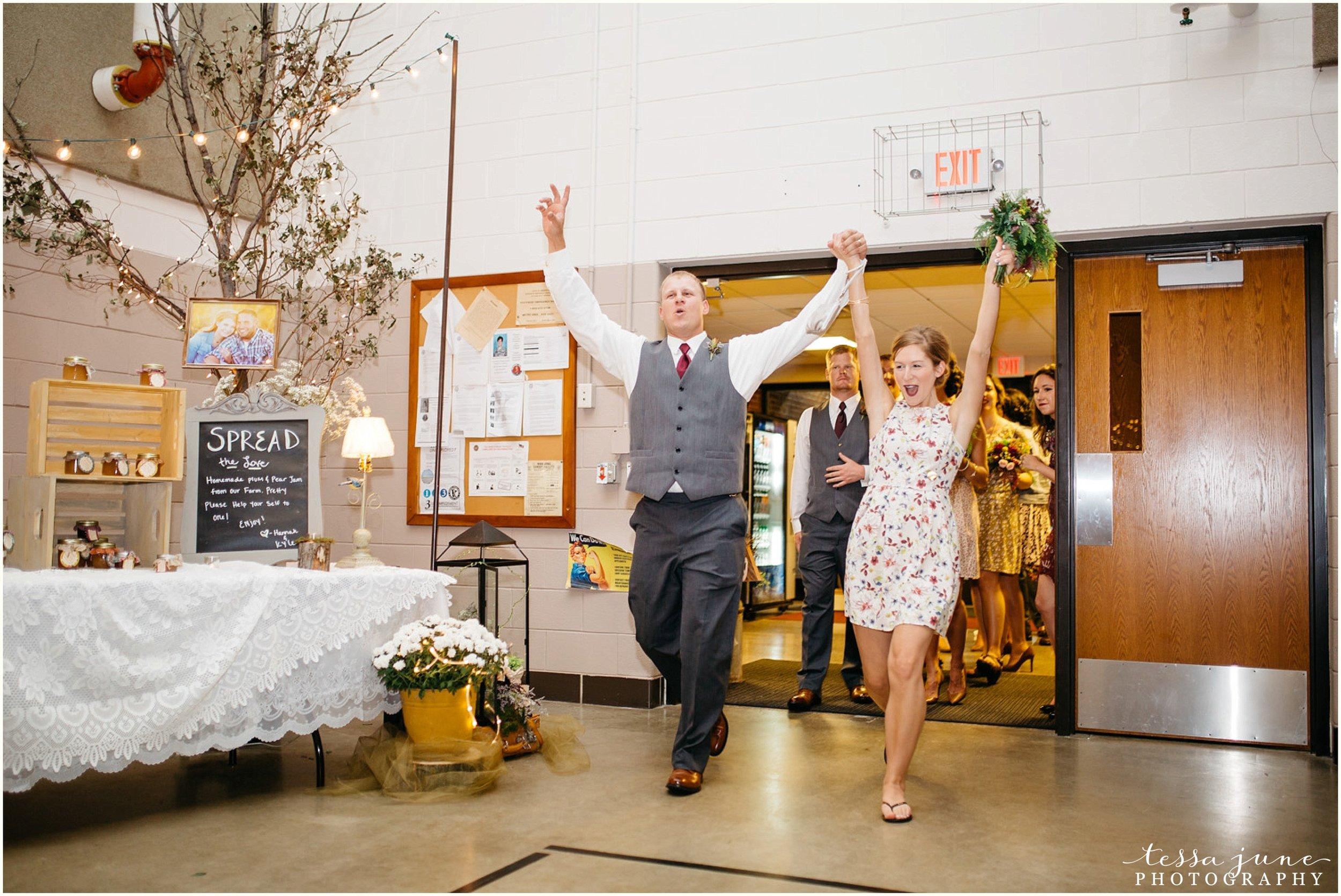 bohemian-minnesota-wedding-mismatched-bridesmaid-dresses-waterfall-st-cloud-tessa-june-photography-152.jpg