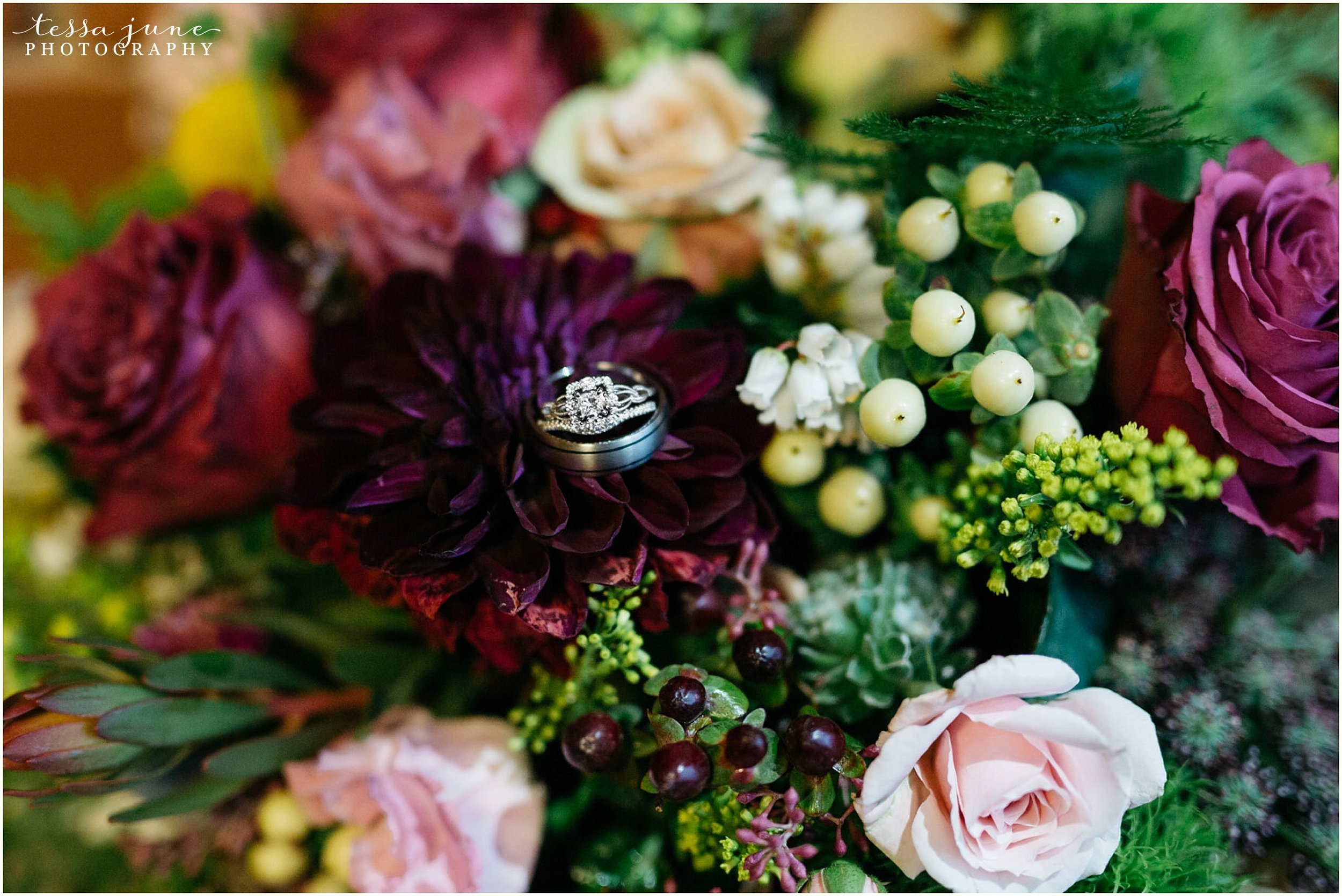 bohemian-minnesota-wedding-mismatched-bridesmaid-dresses-waterfall-st-cloud-tessa-june-photography-164.jpg