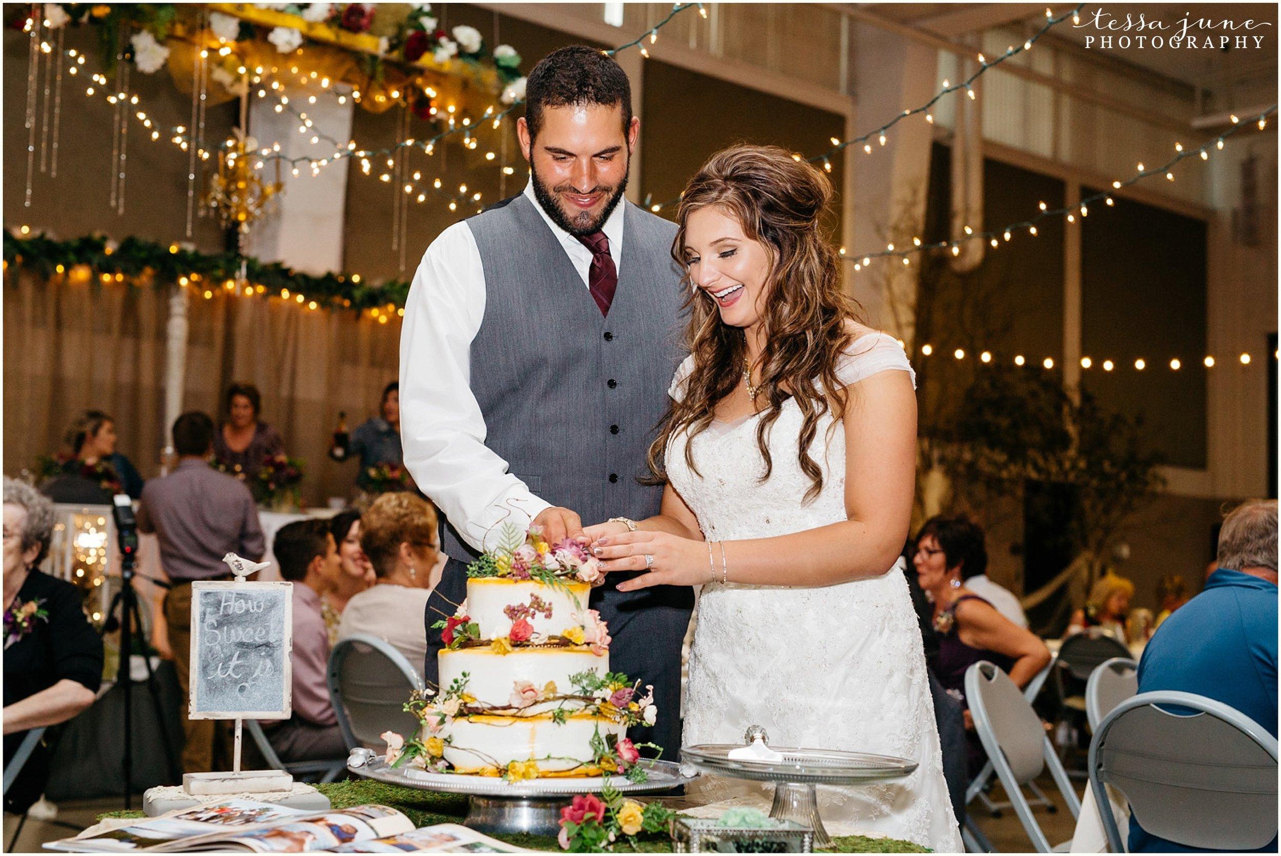 bohemian-minnesota-wedding-mismatched-bridesmaid-dresses-waterfall-st-cloud-tessa-june-photography-168.jpg