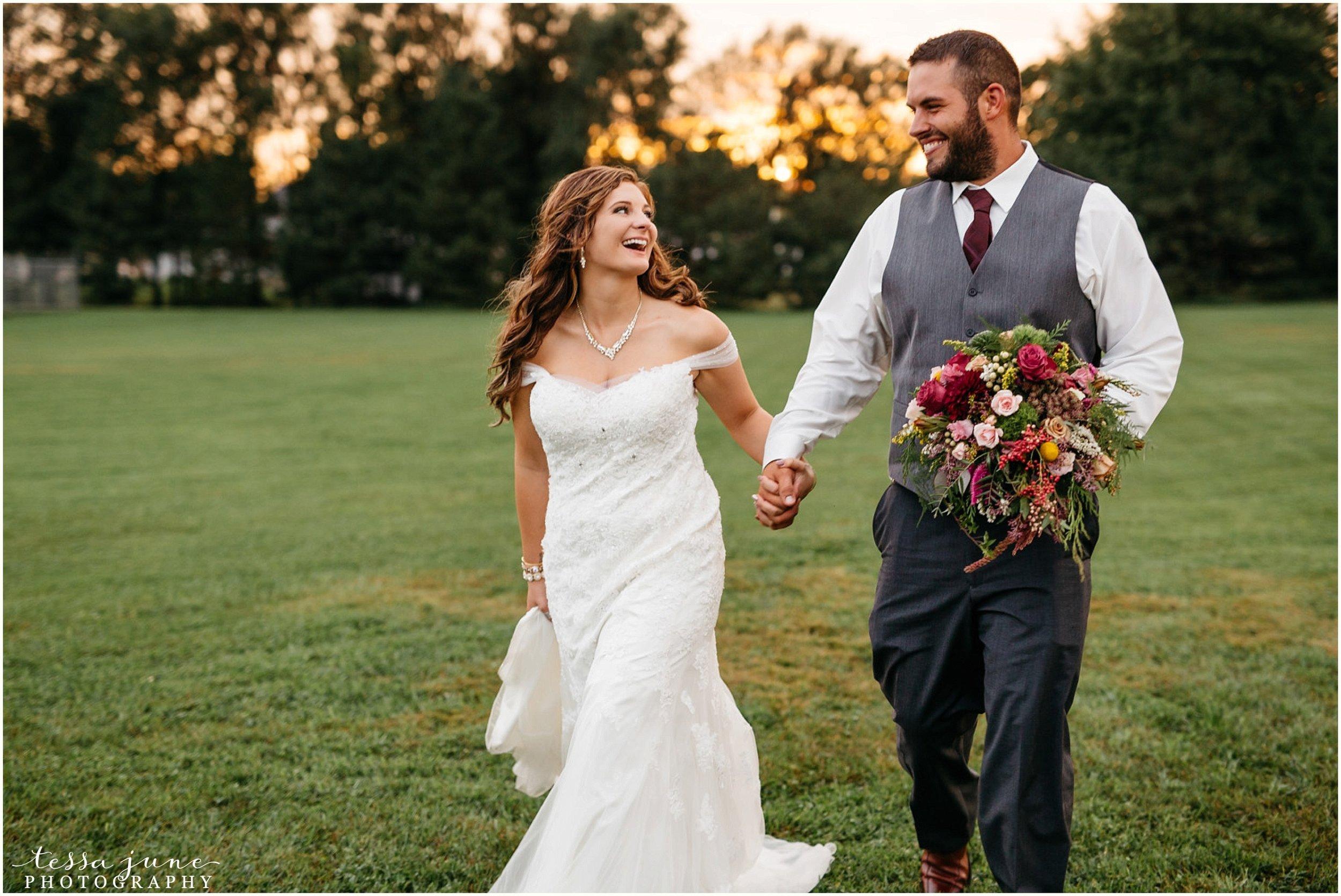 bohemian-minnesota-wedding-mismatched-bridesmaid-dresses-waterfall-st-cloud-tessa-june-photography-183.jpg