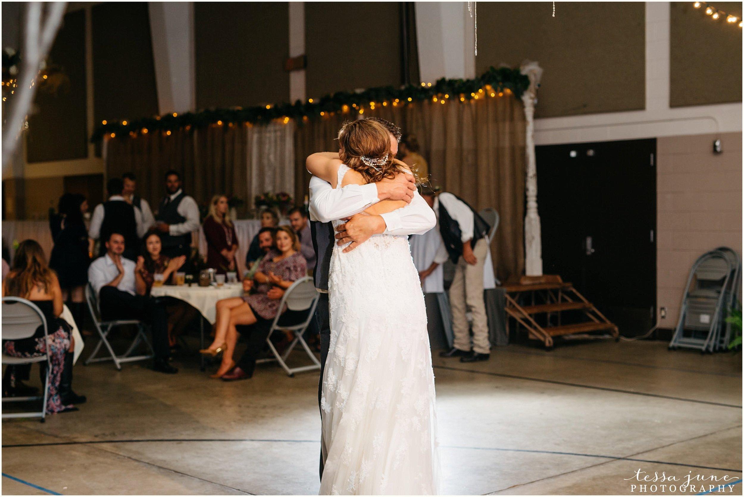 bohemian-minnesota-wedding-mismatched-bridesmaid-dresses-waterfall-st-cloud-tessa-june-photography-194.jpg