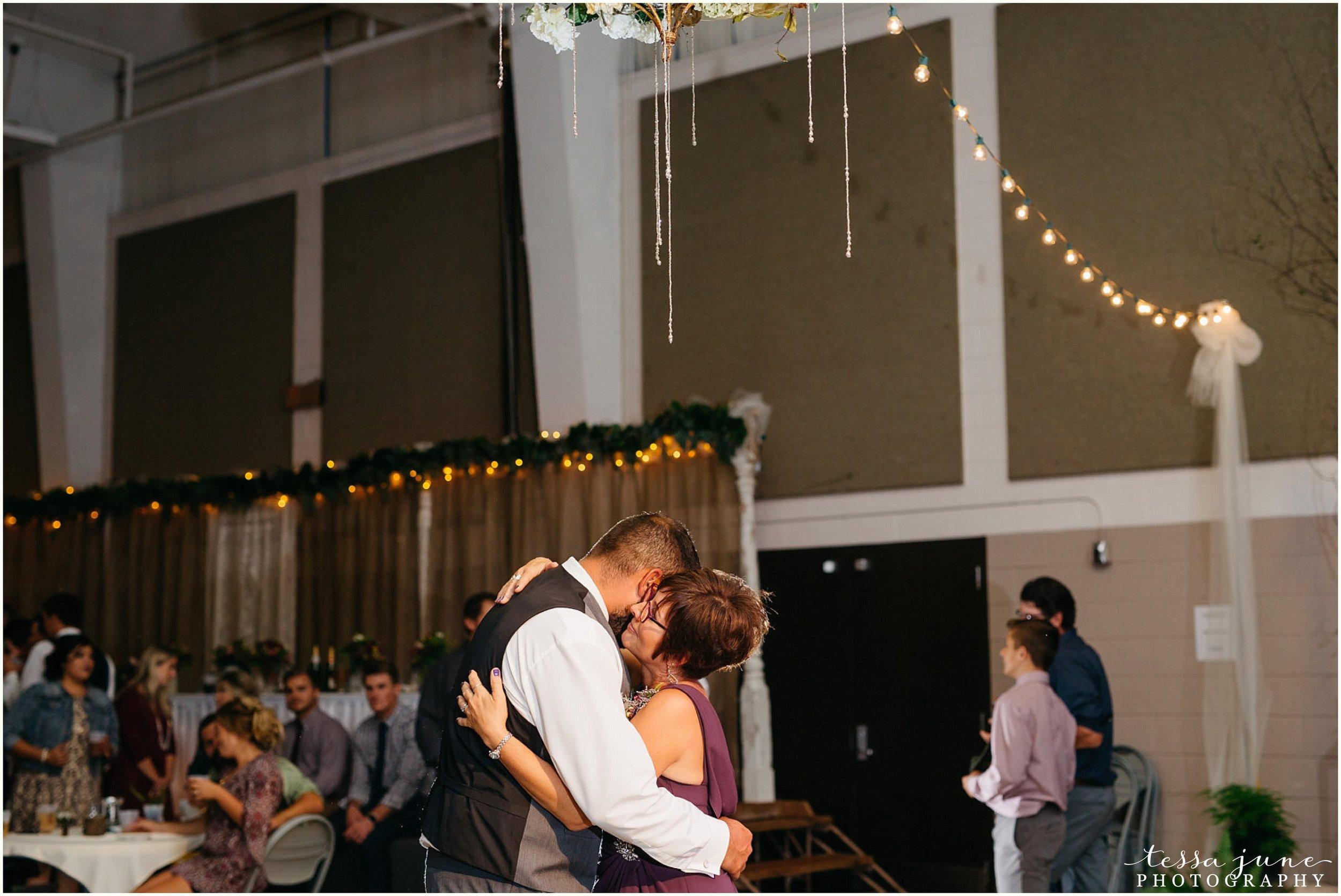 bohemian-minnesota-wedding-mismatched-bridesmaid-dresses-waterfall-st-cloud-tessa-june-photography-195.jpg