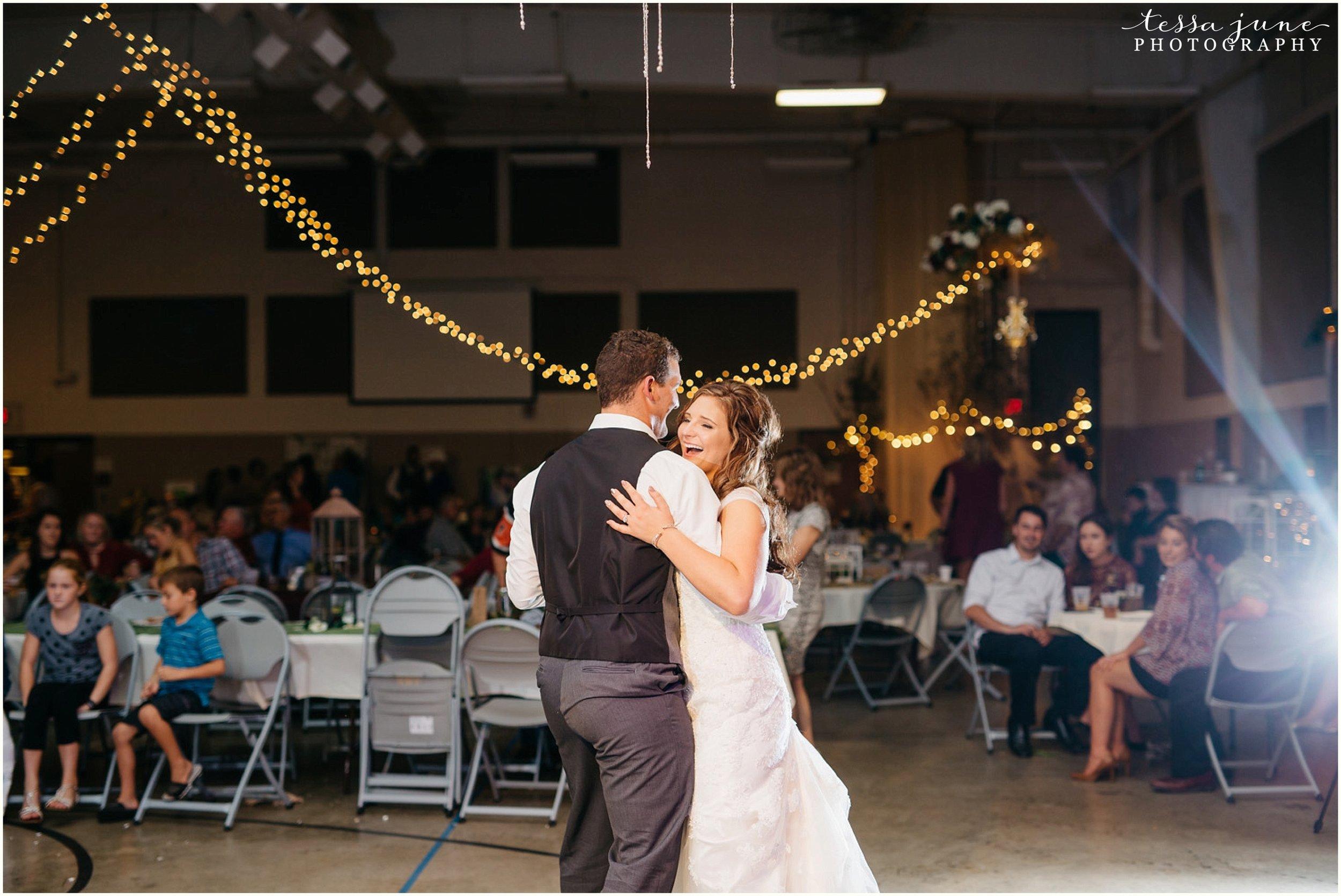 bohemian-minnesota-wedding-mismatched-bridesmaid-dresses-waterfall-st-cloud-tessa-june-photography-200.jpg